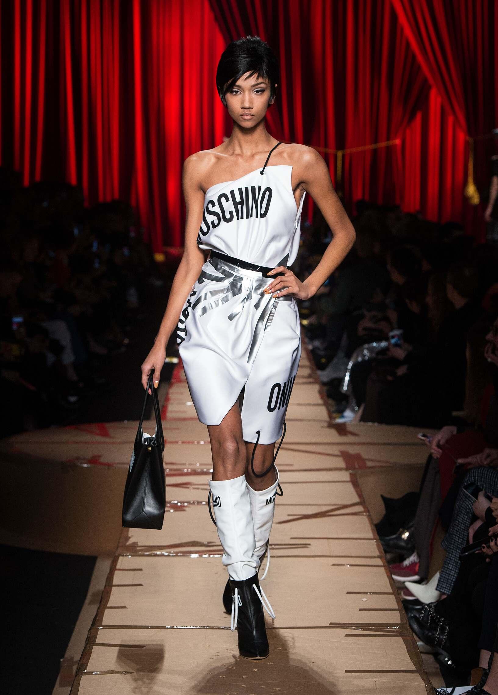 2017 Womenswear Style Moschino