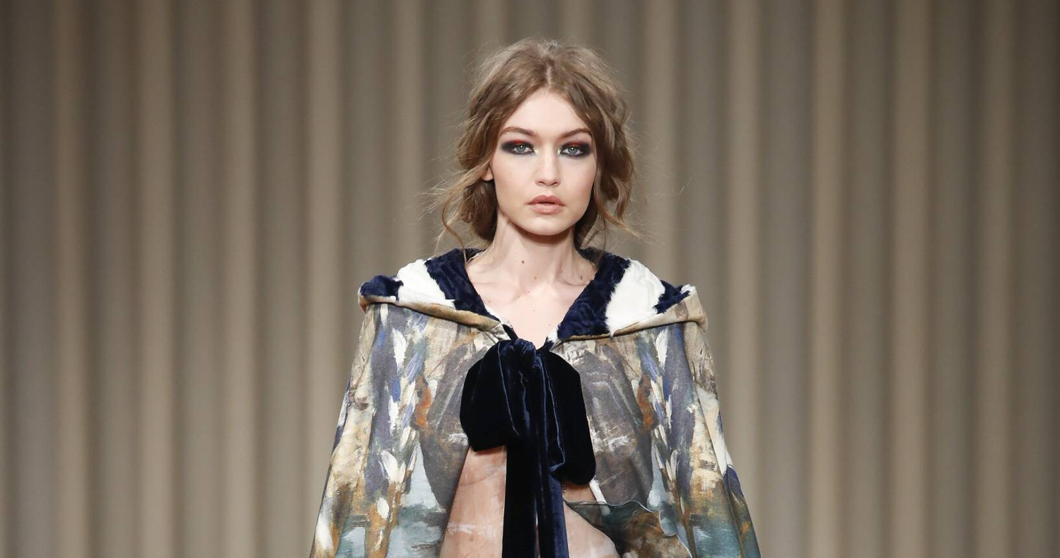 Alberta Ferretti Fashion Show FW 2017 Milan