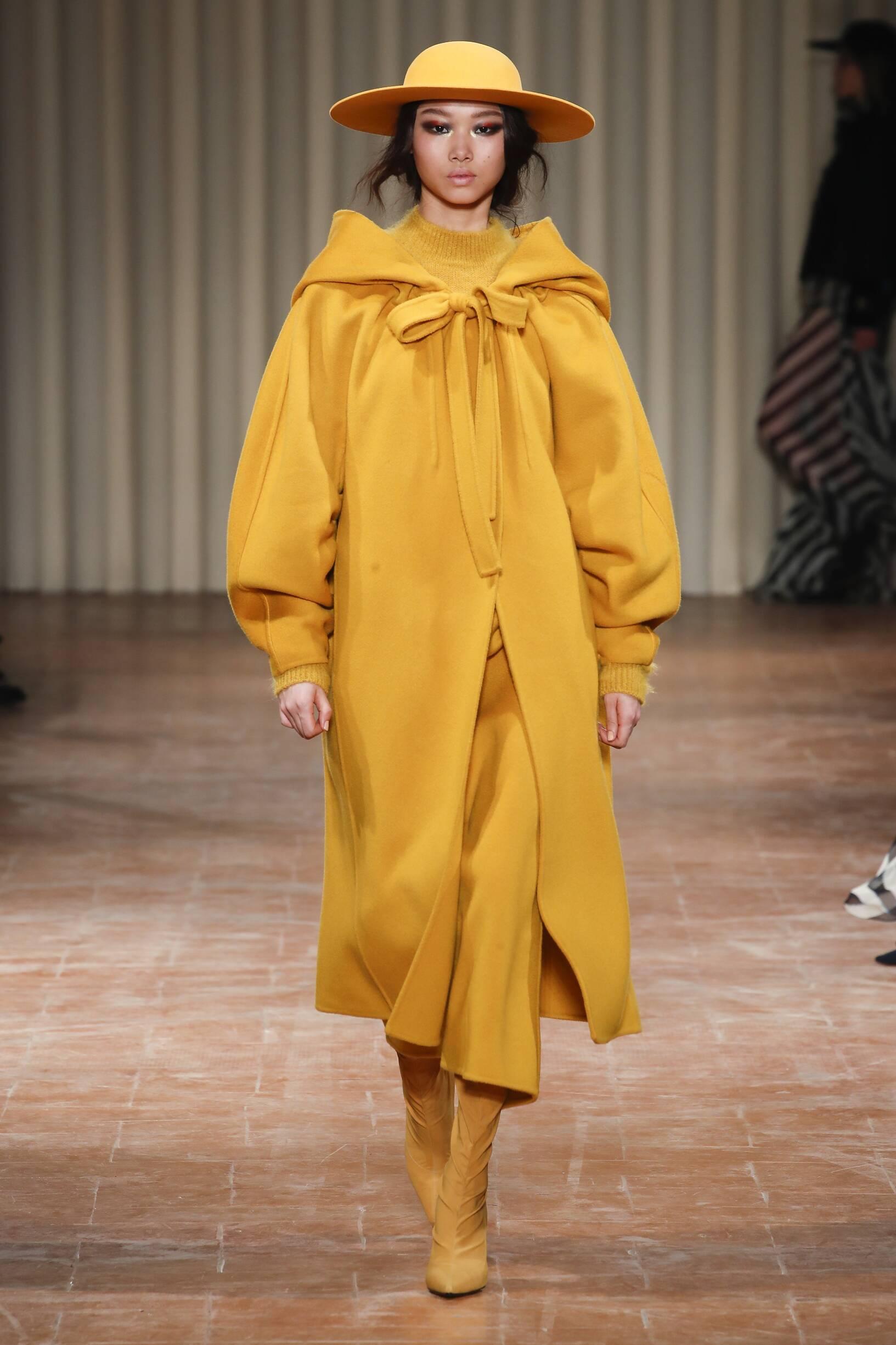 Alberta Ferretti Woman Catwalk
