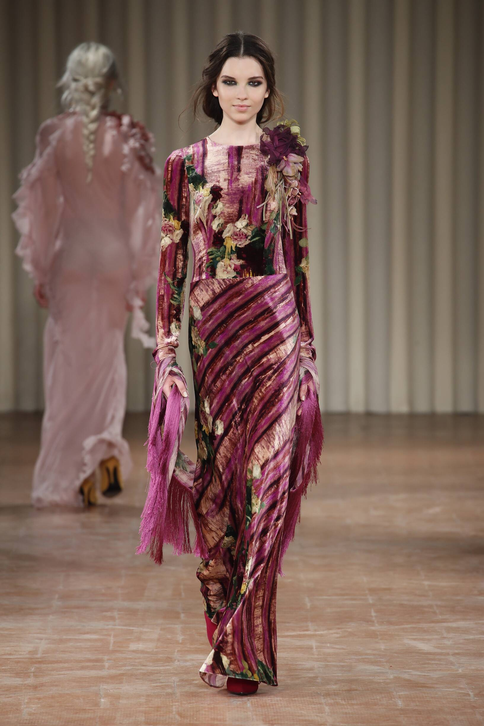 ALBERTA FERRETTI FALL WINTER 2017-18 WOMEN'S COLLECTION ...