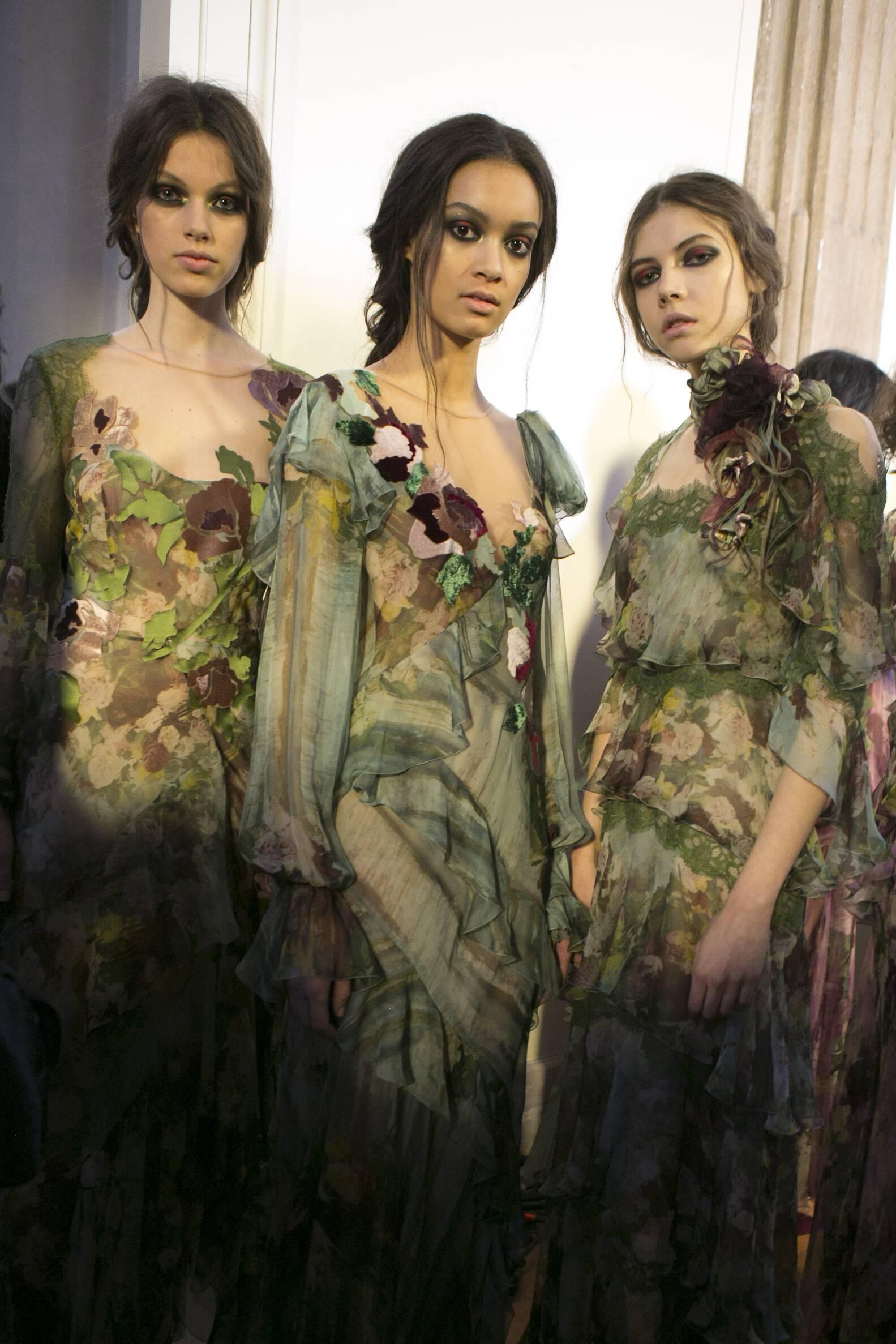Backstage Alberta Ferretti Models 2017