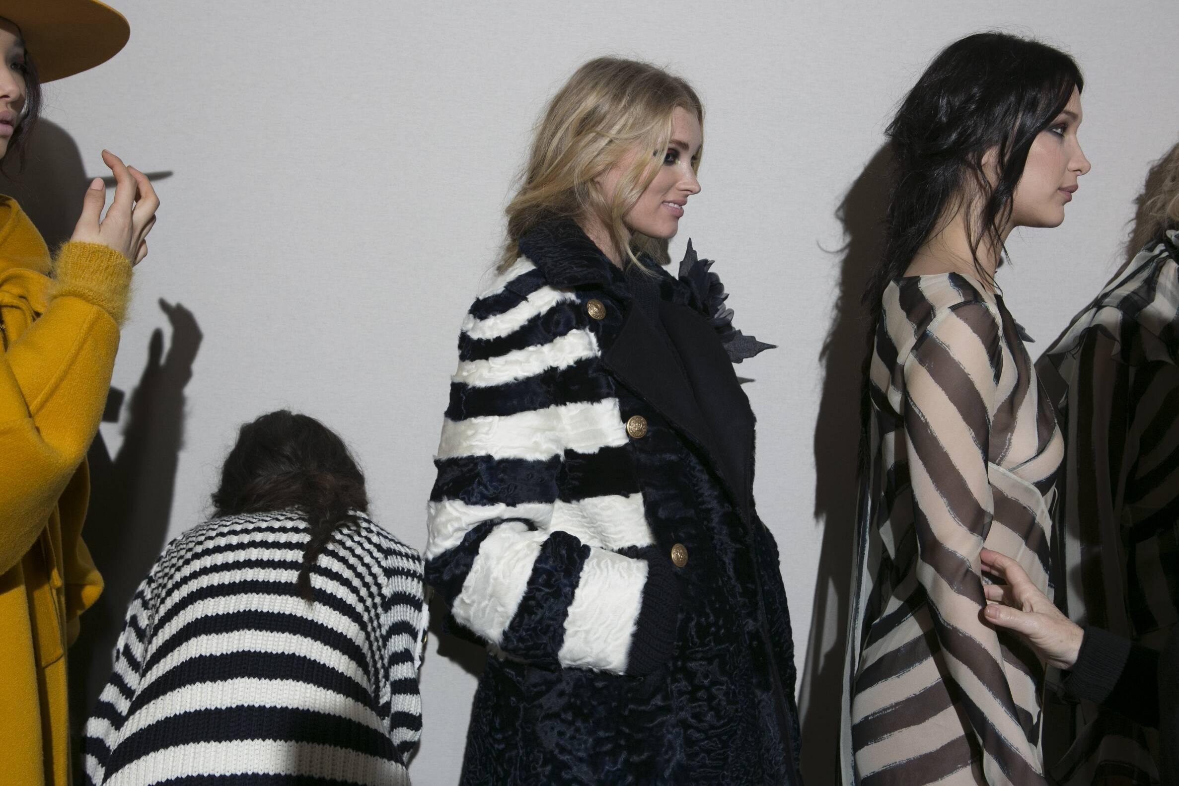 Backstage Alberta Ferretti Womens Fall 2017 Collection Milan Fashion Week