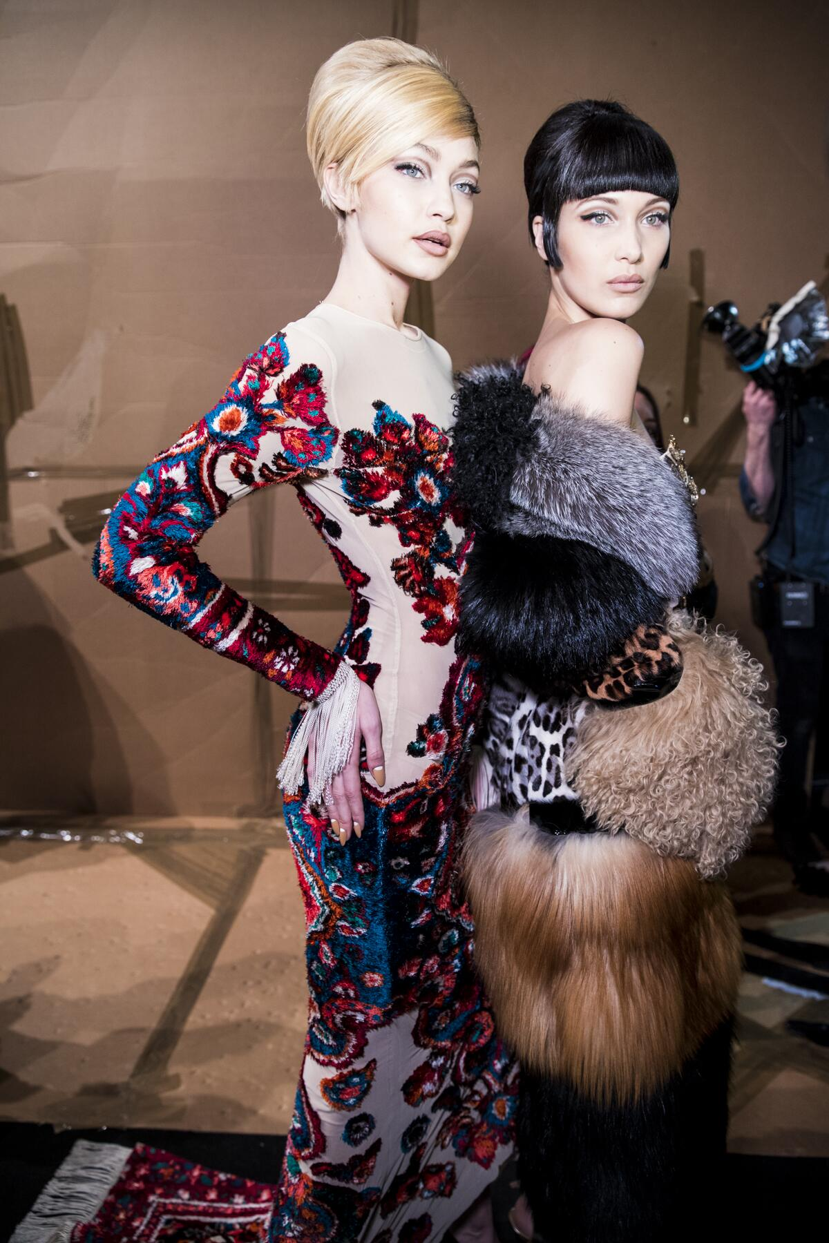 Backstage Moschino Gigi Hadid and Bella Hadid 2017 Milan Fashion Week