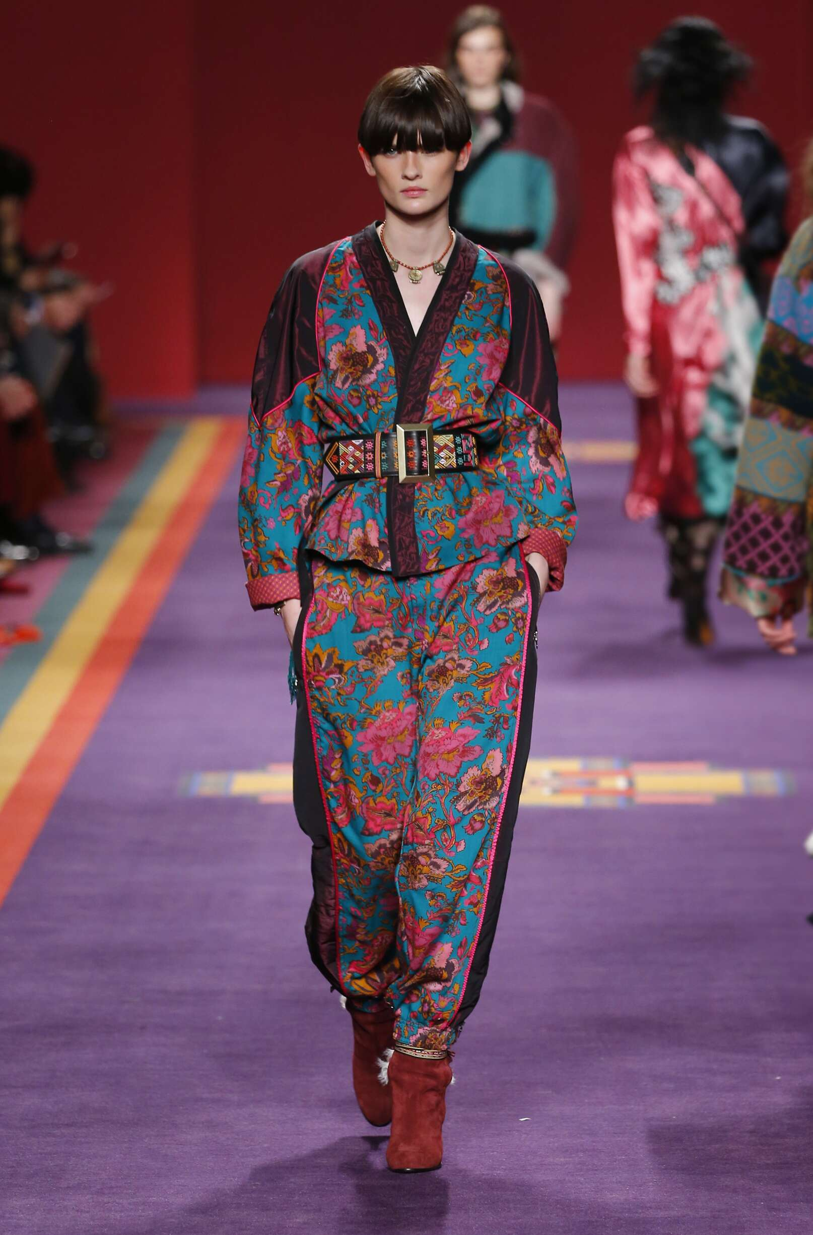 Catwalk Etro Woman Fashion Show Winter 2017