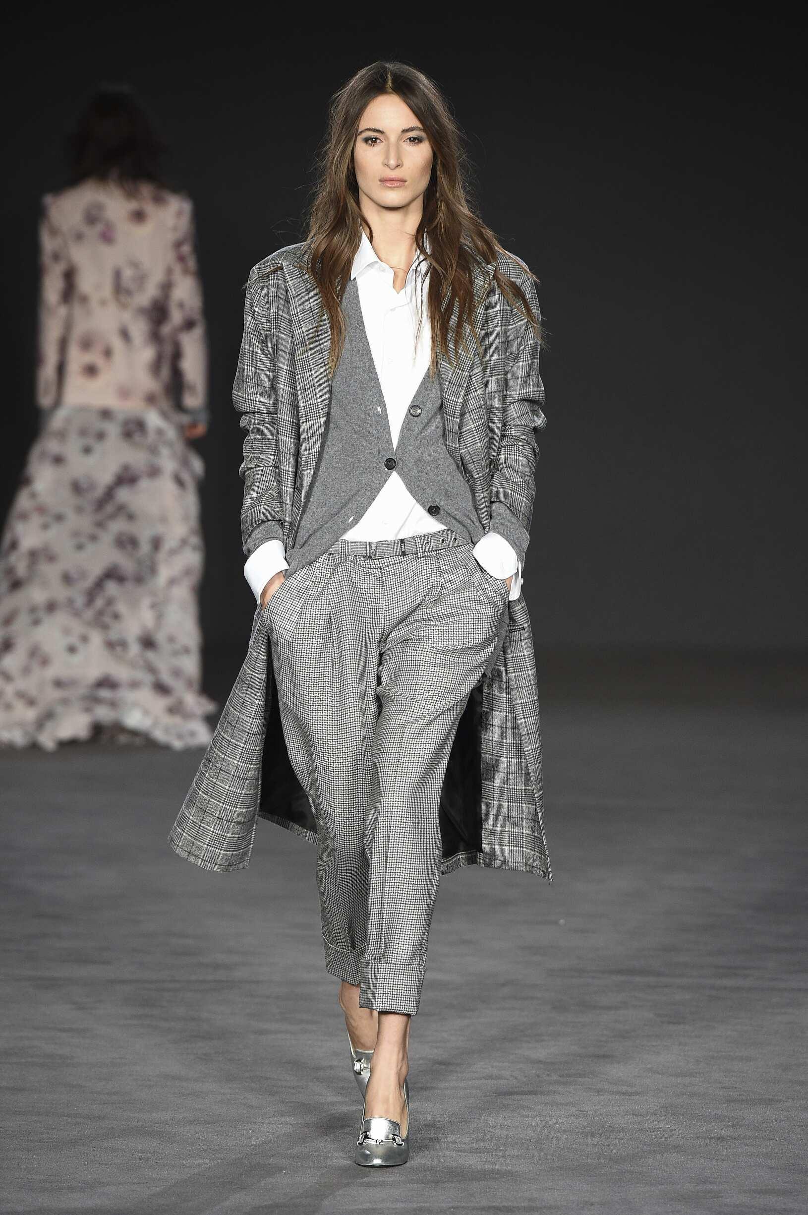 Fall 2017-18 Womenswear Daks