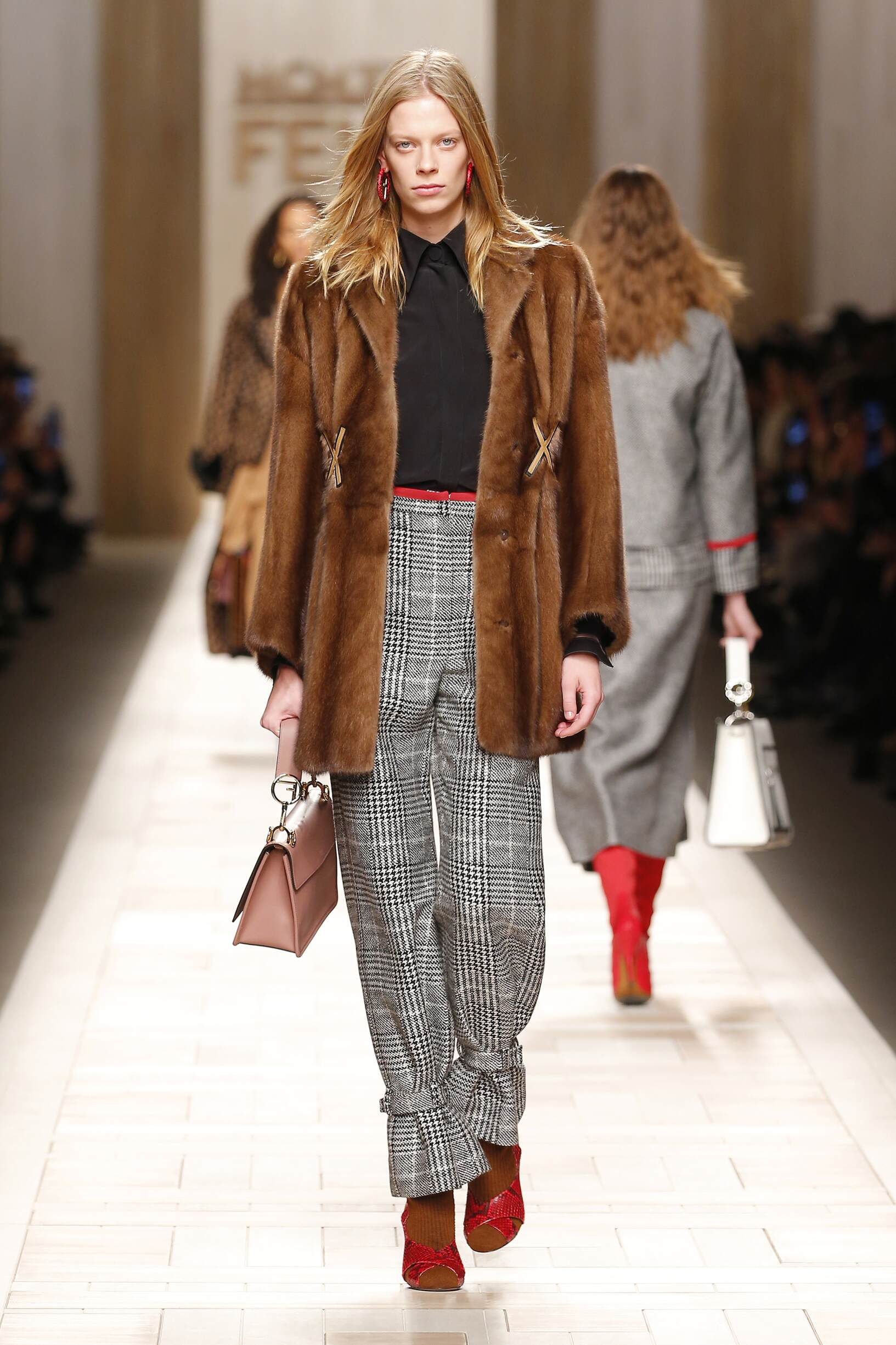 Fall 2017-18 Womenswear Fendi
