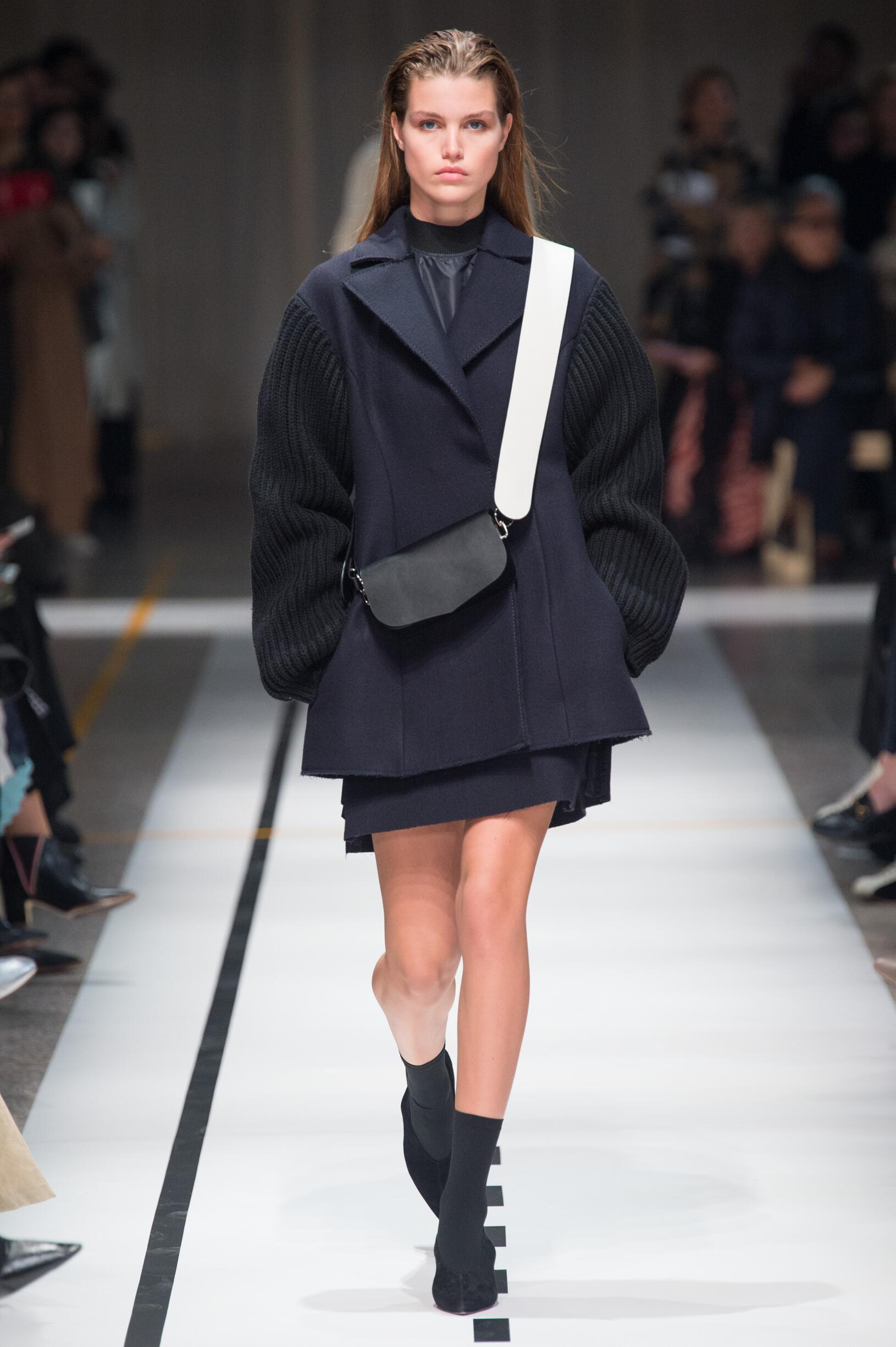 Fall Winter 2017 Woman Milan Sportmax Collection