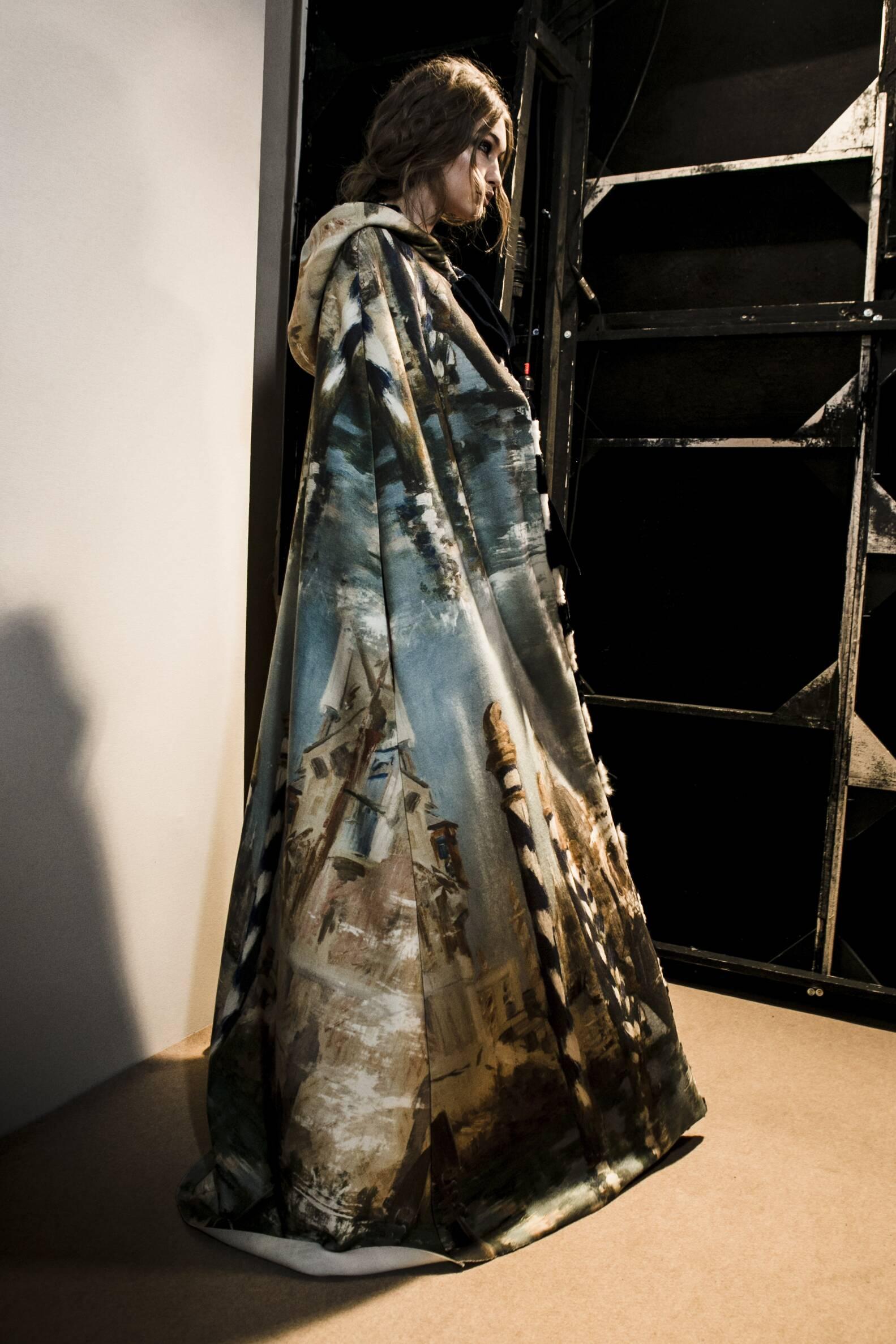 Fashion Gigi Hadid Model Backstage Alberta FerrettiBackstage Alberta Ferretti Milan Fashion Week Models