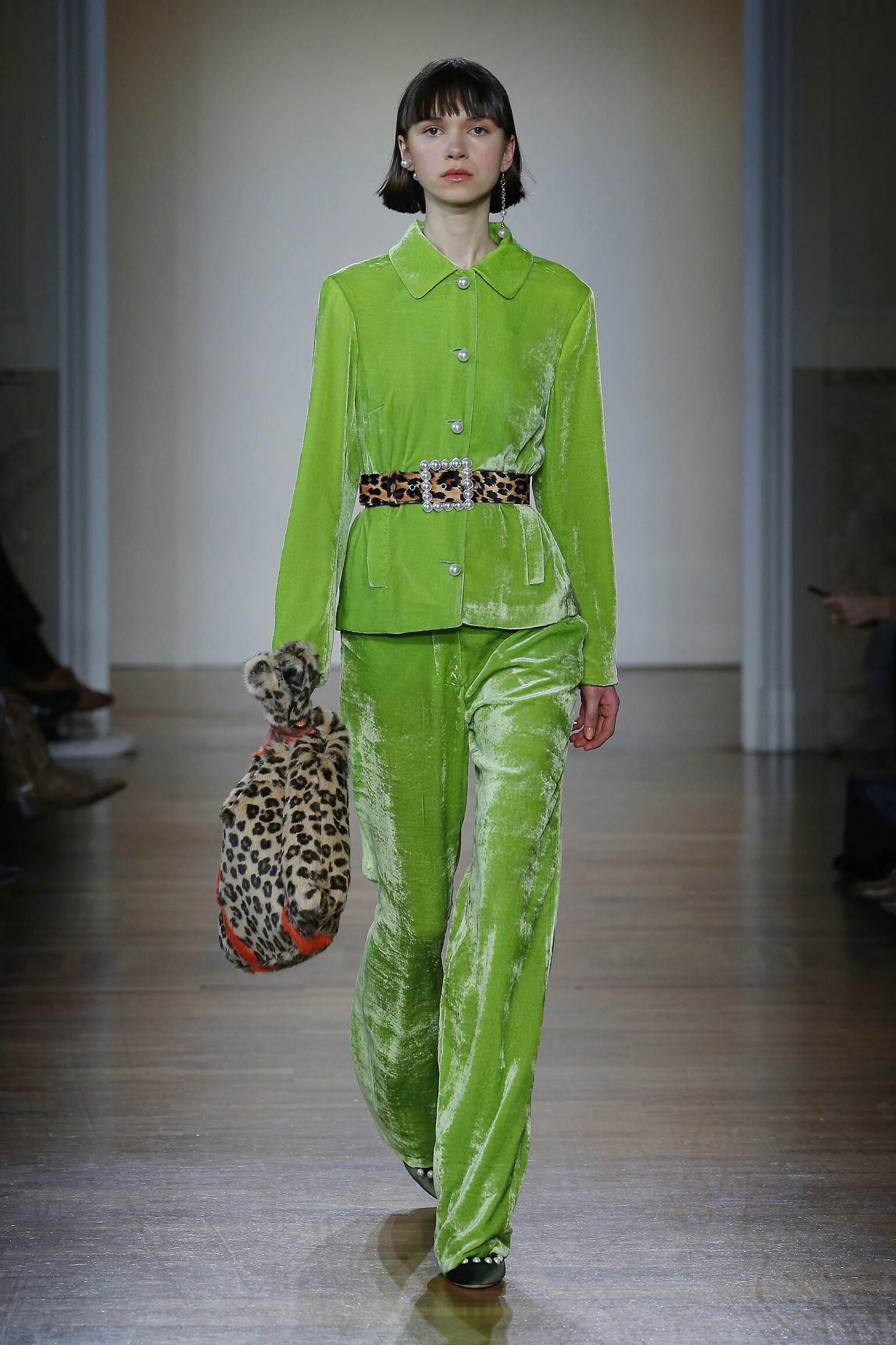 Fashion Woman Model Blugirl Catwalk 17-18