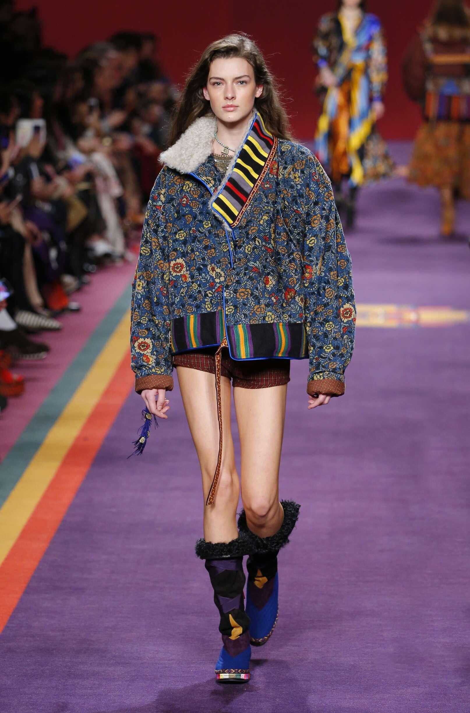 Fashion Woman Model Etro Catwalk 17-18