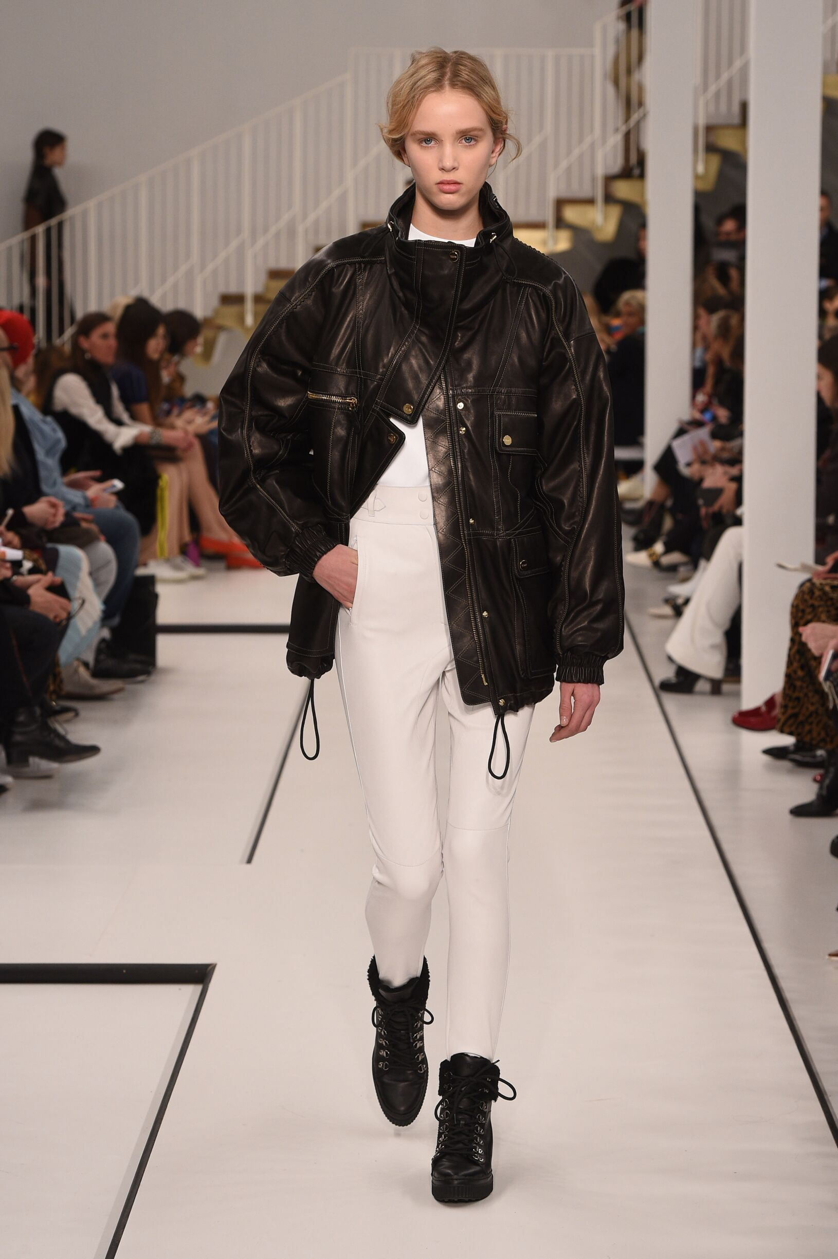 Fashion Woman Model Tod's Catwalk