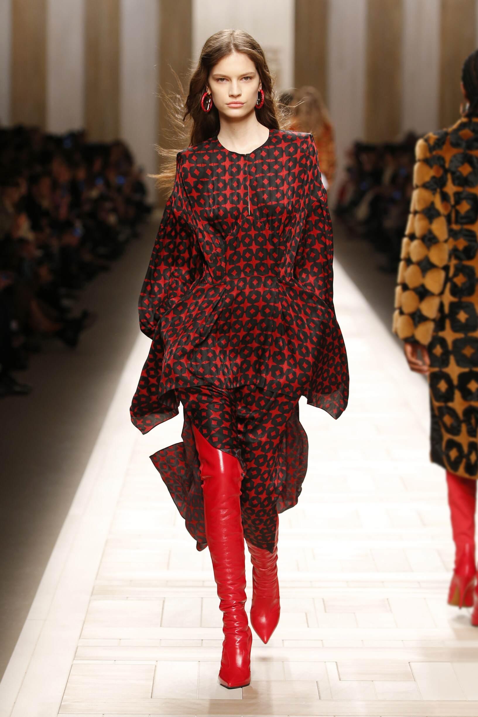 d3cfb4e604 Fendi Fall Winter 2017 Womens Collection Milan Fashion Week
