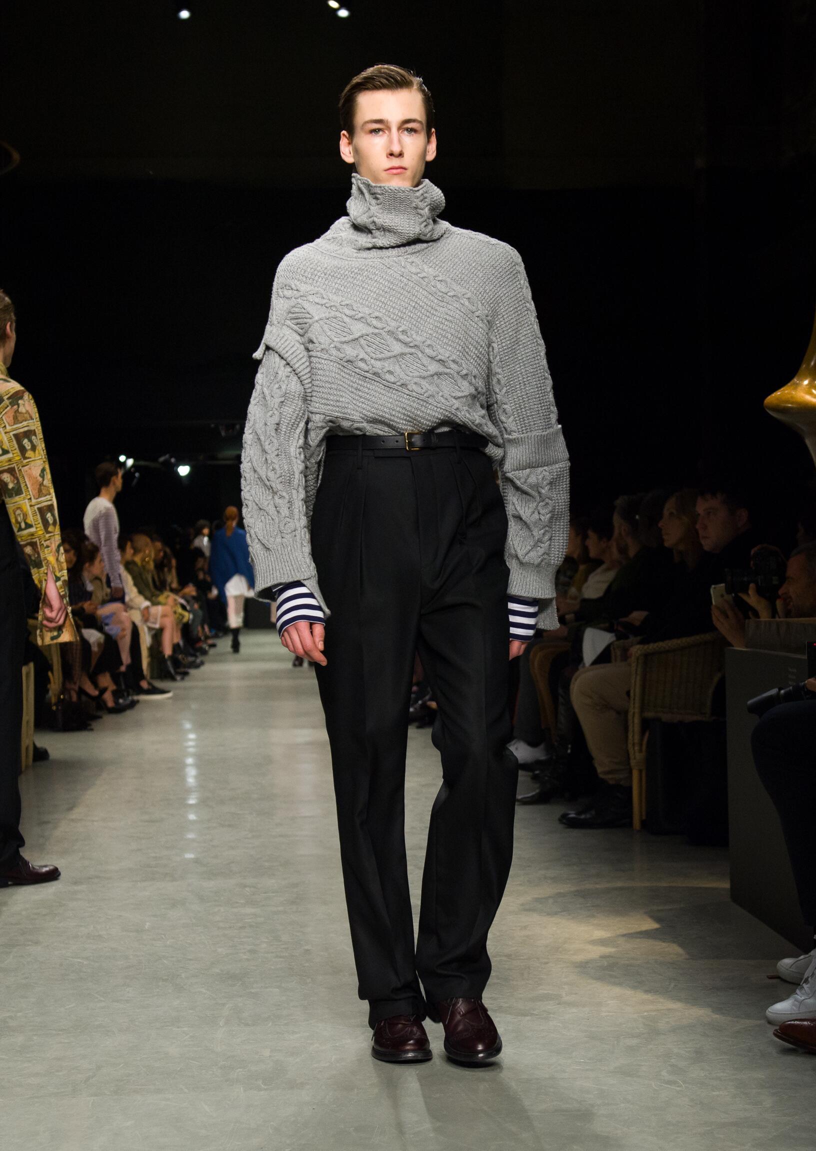 Man Model Fashion Show Burberry