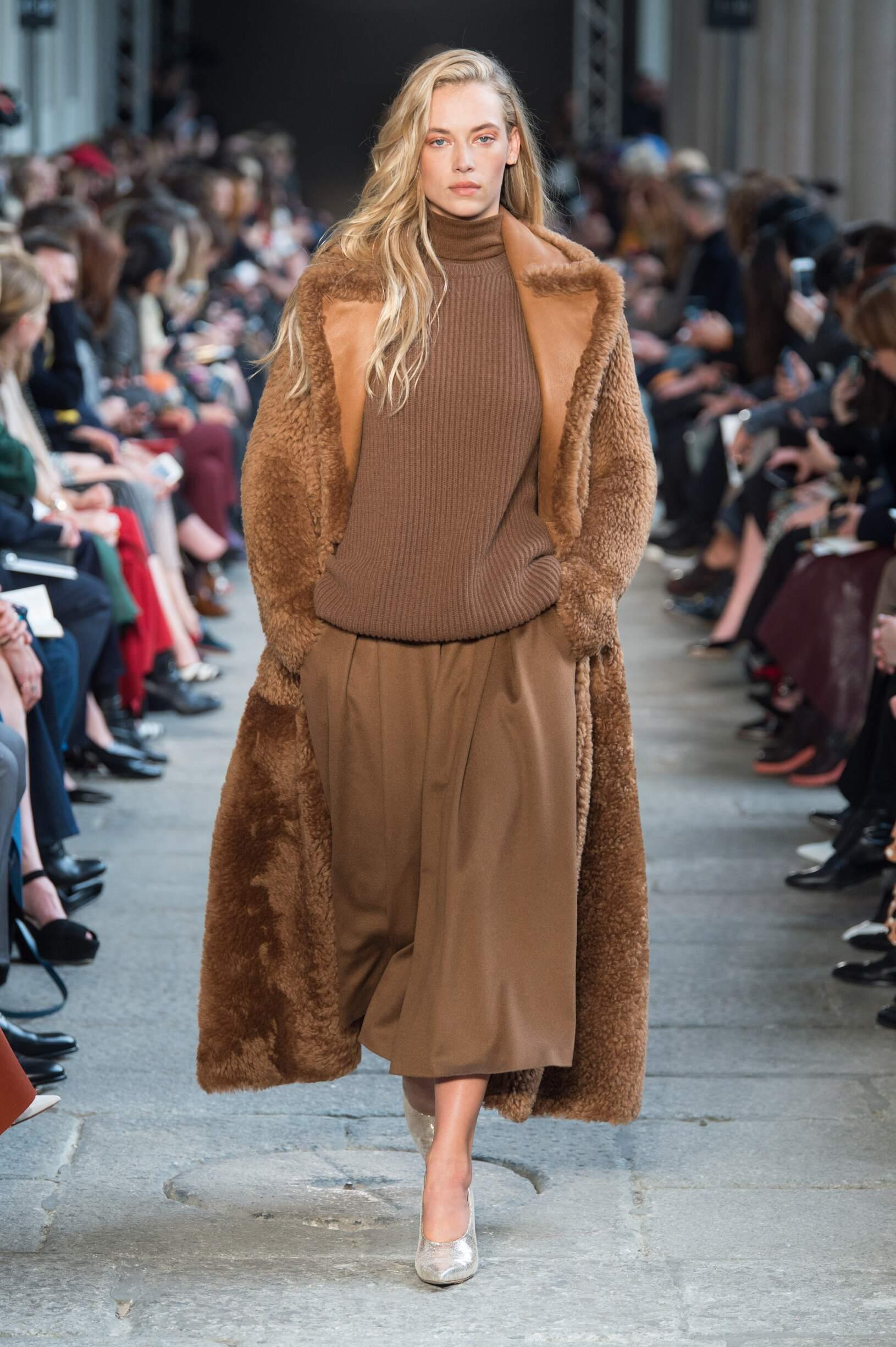 Max Mara Woman Catwalk