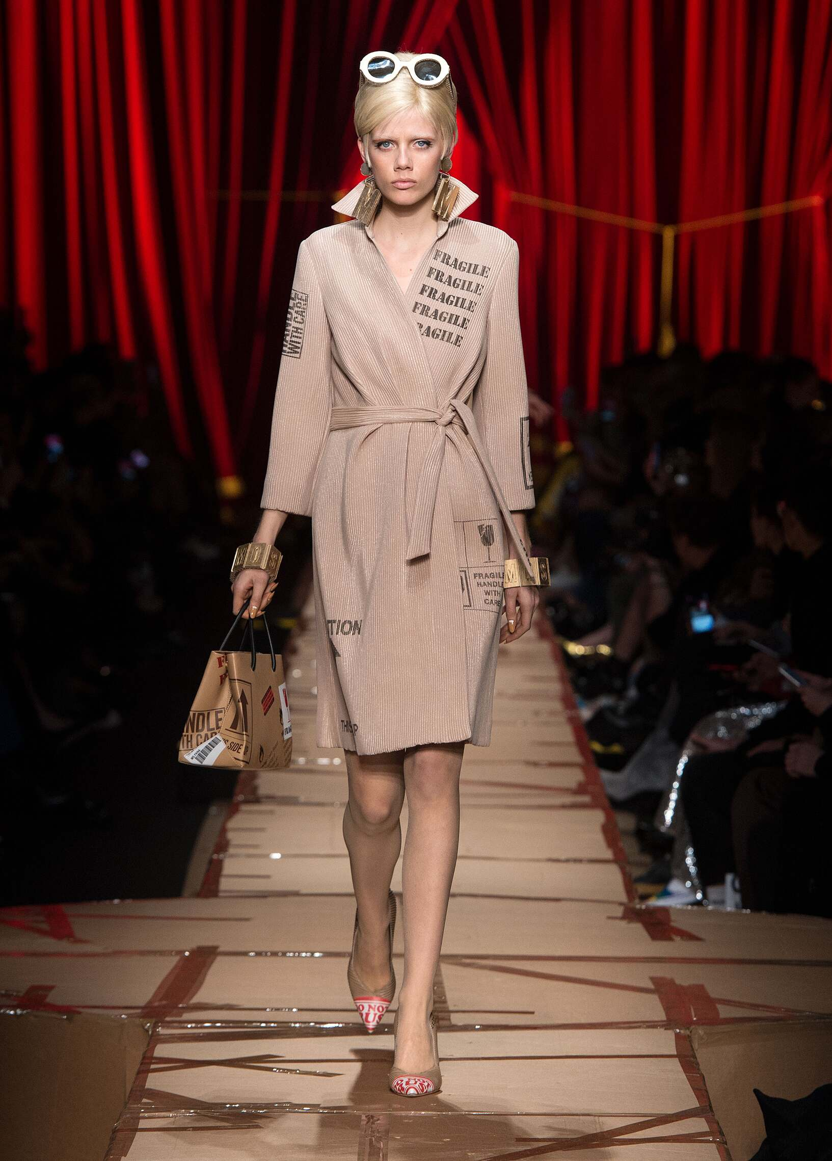 Moschino Woman Catwalk
