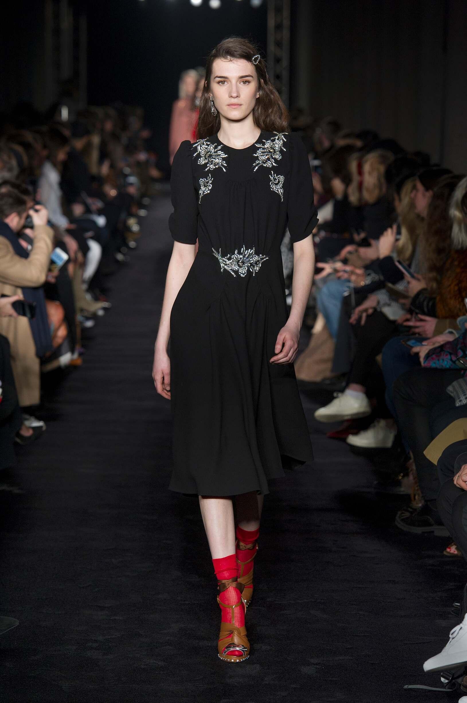 N°21 Fall Winter 2017 Womens Collection Milan Fashion Week