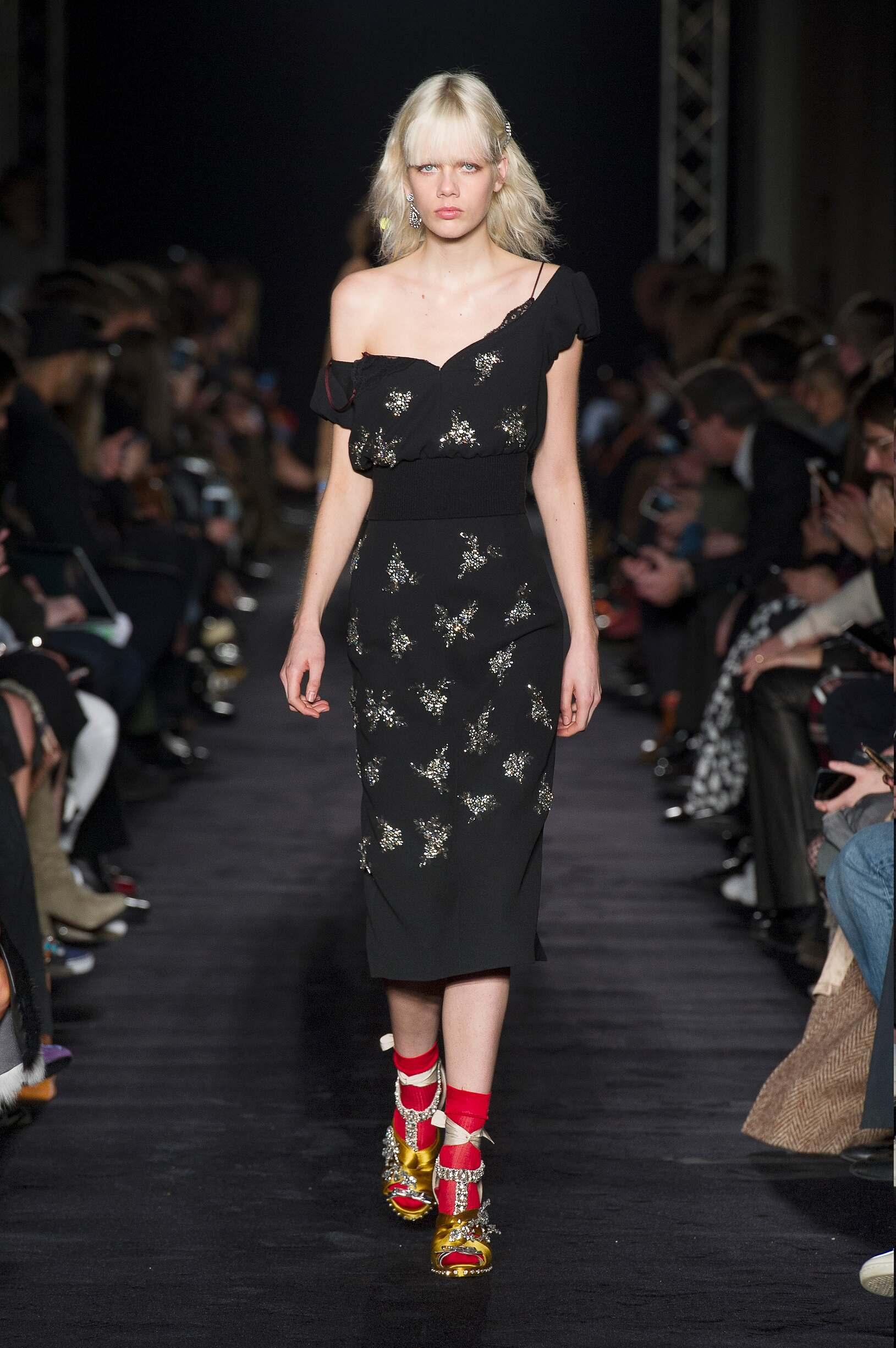 Runway N°21 Fall Winter 2017 Women's Collection Milan Fashion Week