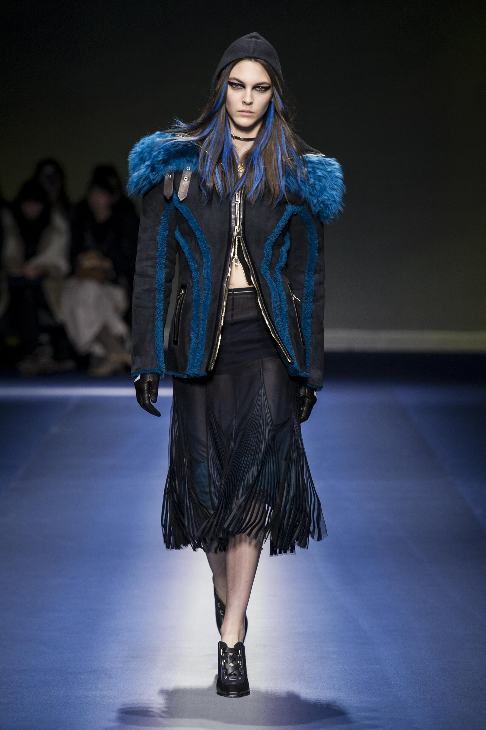 bec72bb2 VERSACE FALL WINTER 2017-18 WOMEN'S COLLECTION | The Skinny Beep