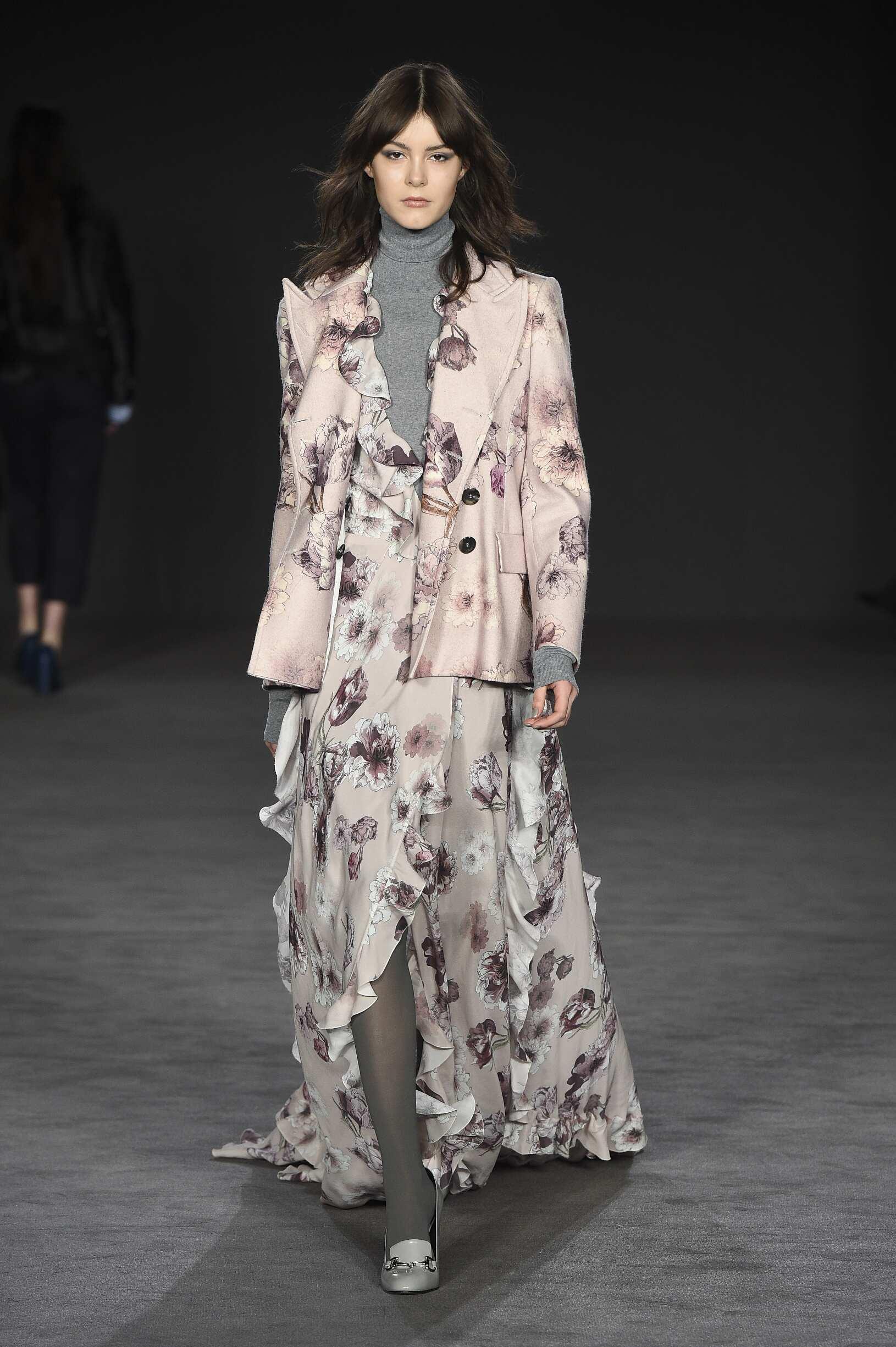 Woman FW 2017-18 Fashion Show Daks