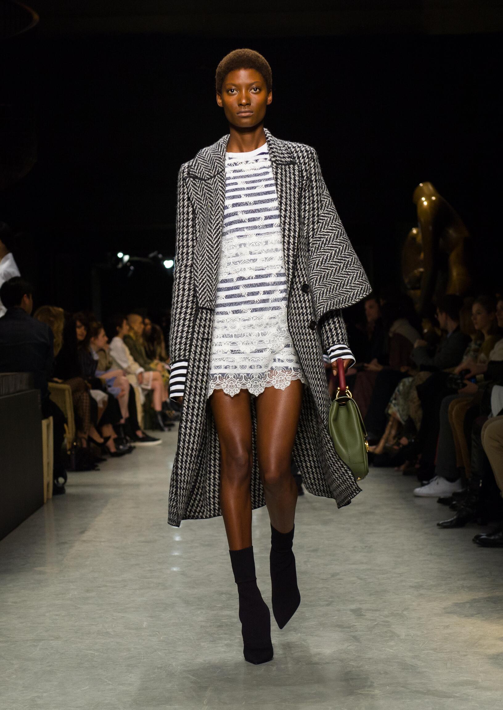 Woman Model Fashion Show Burberry