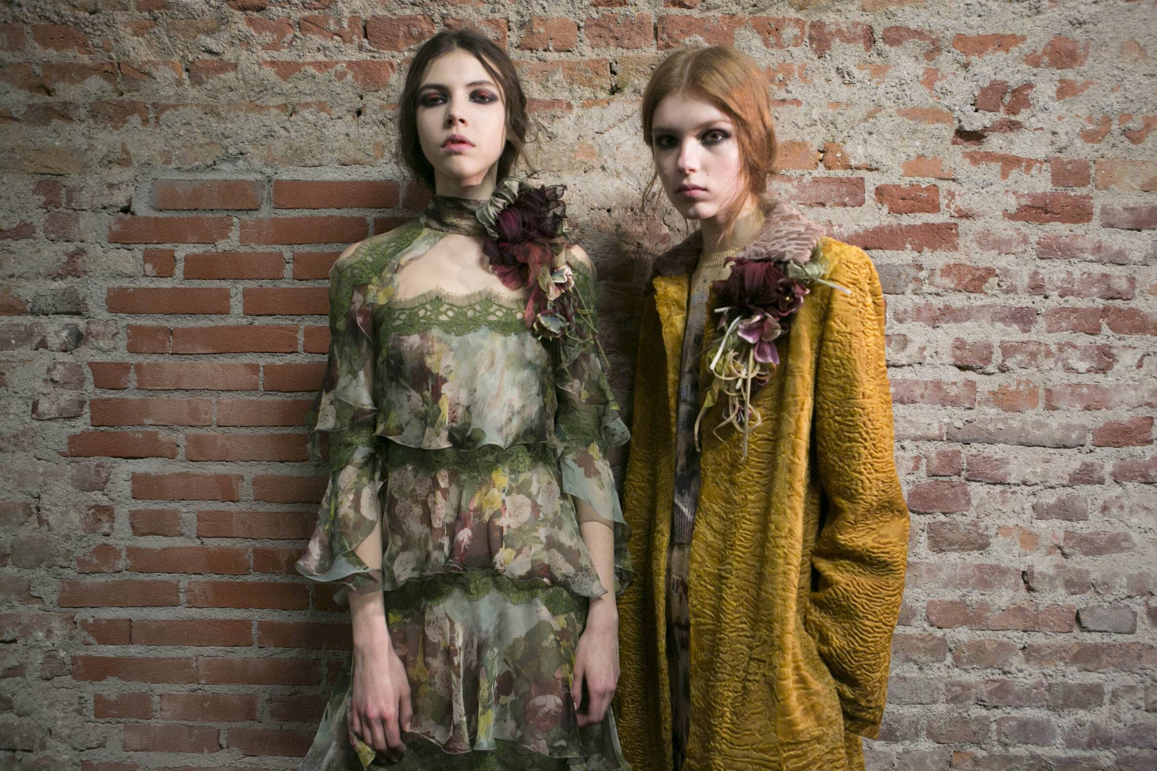 Women Models Fall Winter 2017 Backstage Alberta Ferretti