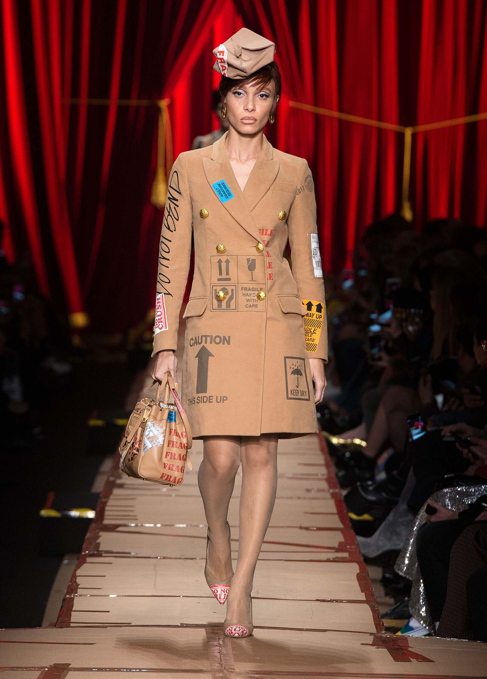 Womens Fall 2017 Fashion Trends Moschino