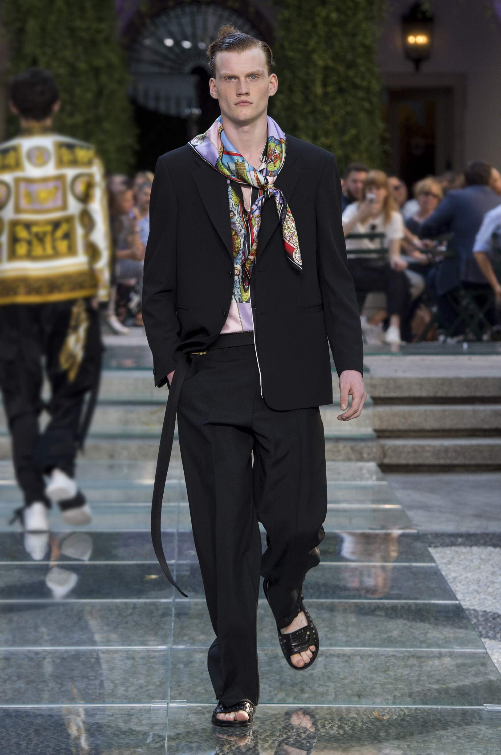 961a7241f5 VERSACE SPRING SUMMER 2018 MEN'S COLLECTION | The Skinny Beep
