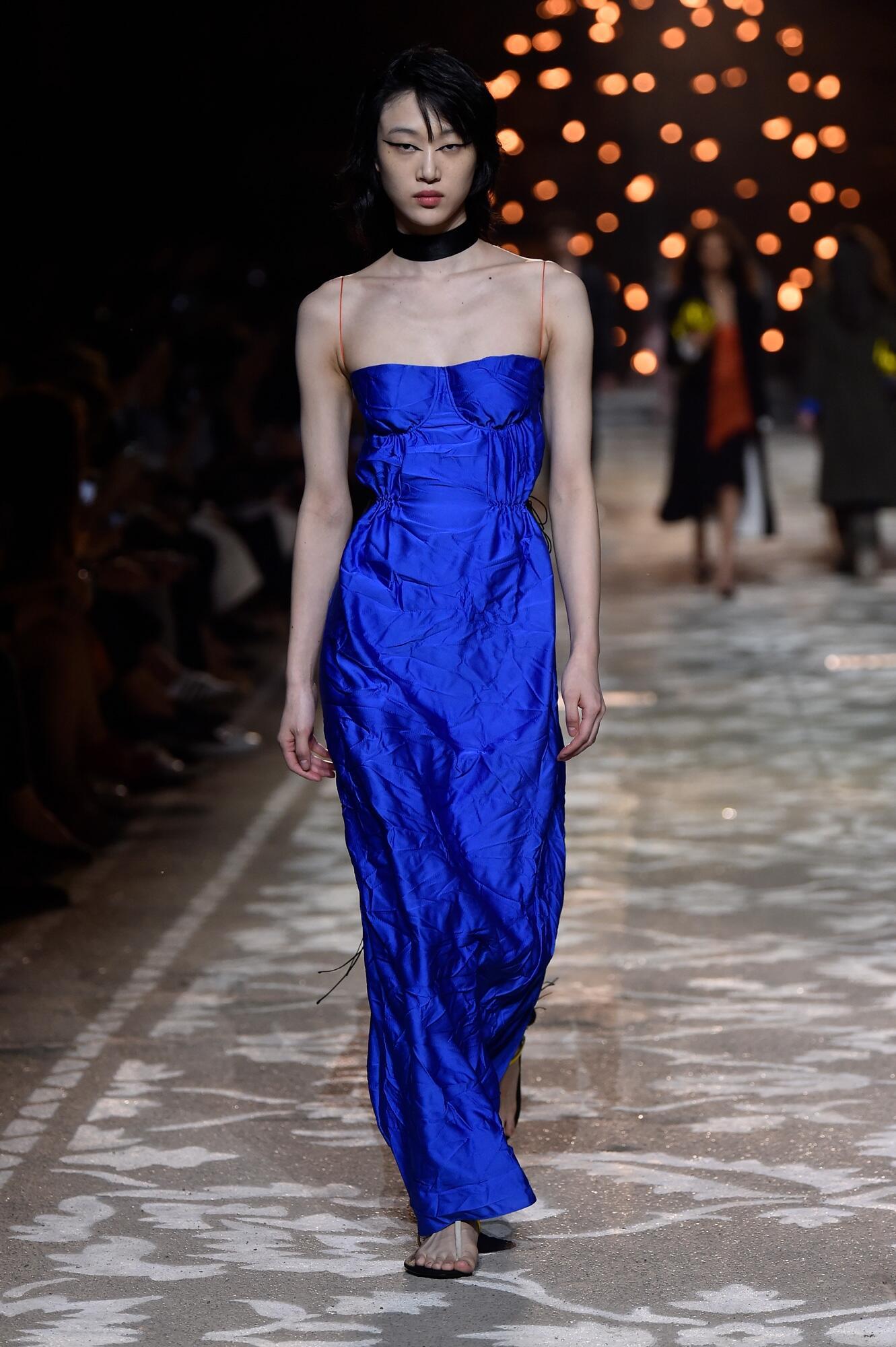 2018 Woman Hugo Catwalk Pitti Immagine