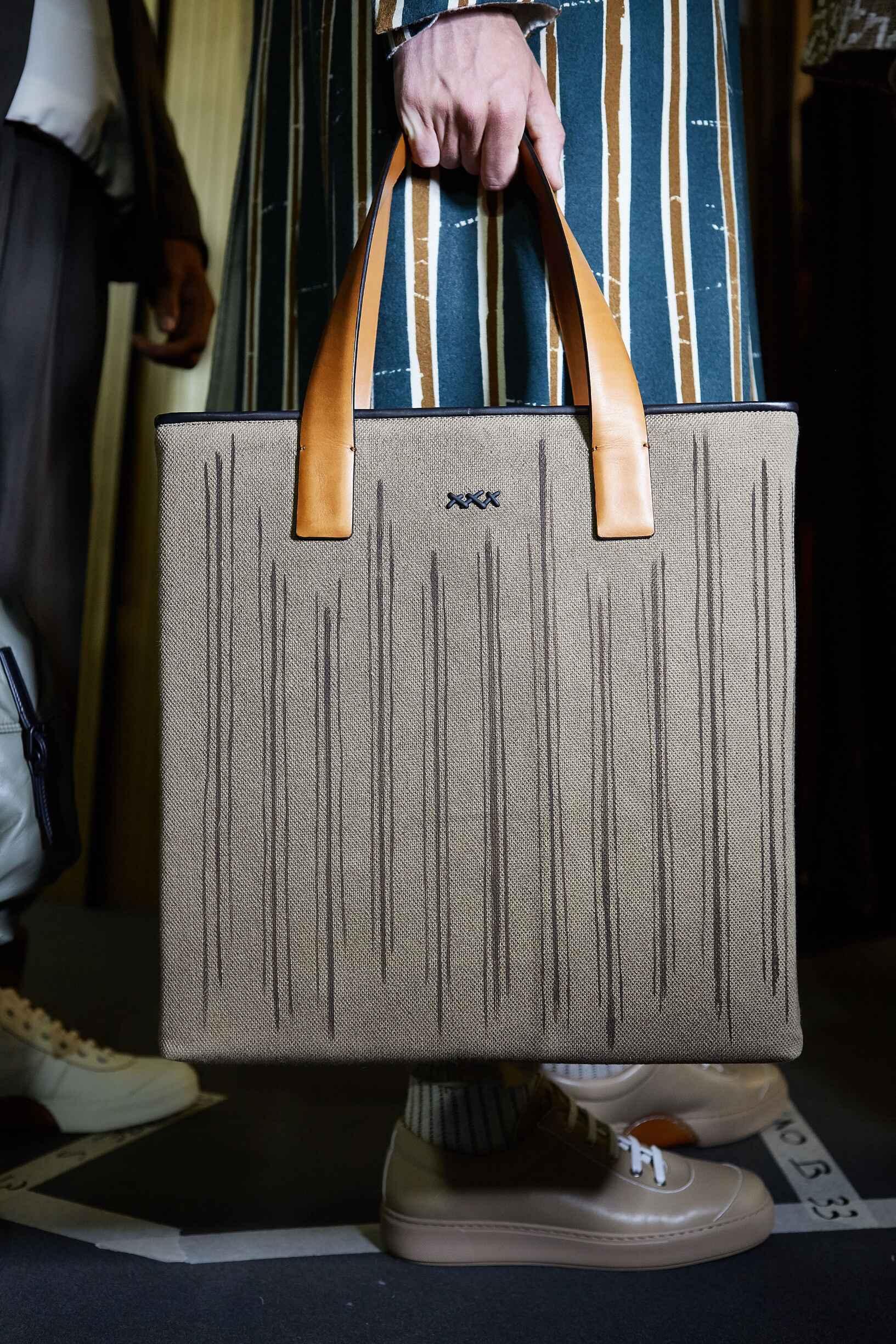 Backstage Ermenegildo Zegna Couture Bag Detail