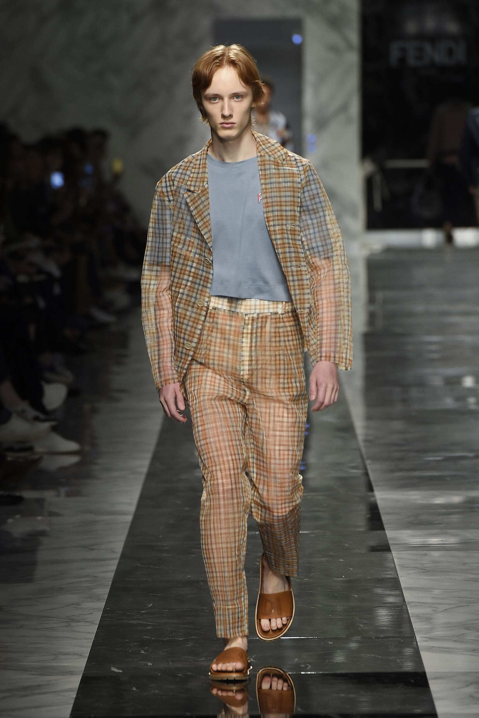 Catwalk Fendi Man Fashion Show Summer 2018