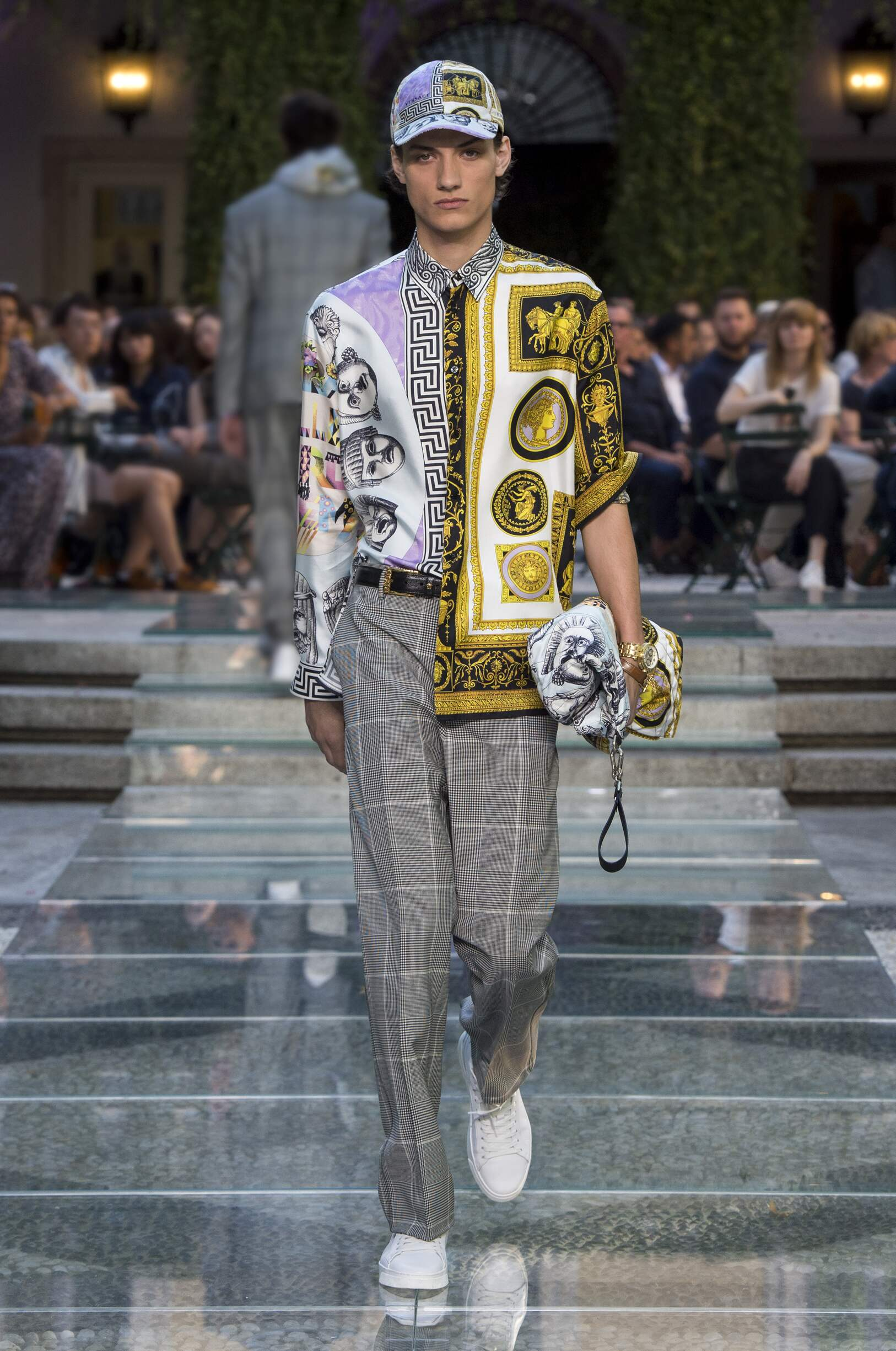 Catwalk Versace Man Fashion Show Summer 2018