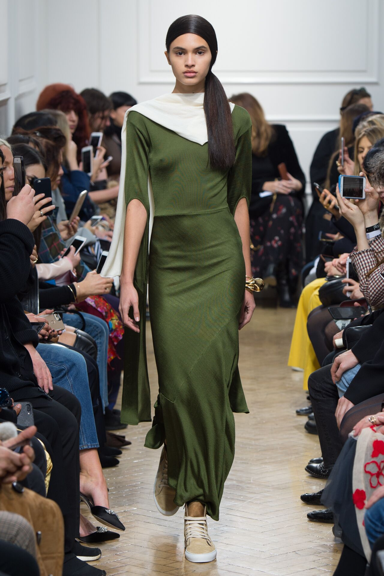 Fall Winter 2017 Woman London J.W. Anderson Collection