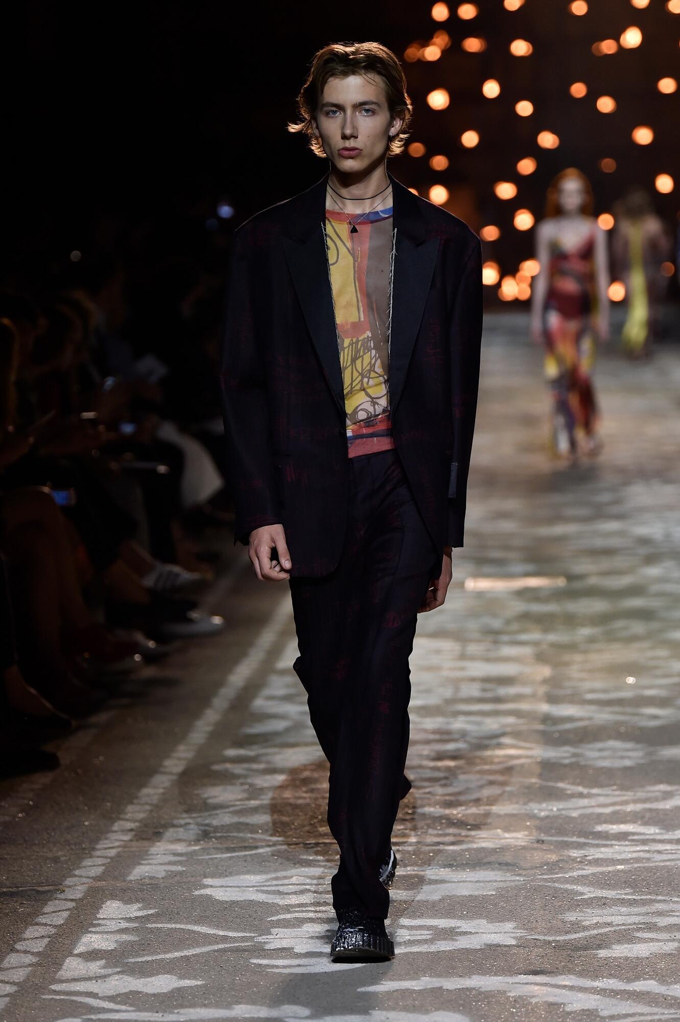 Fashion 2018 Catwalk Hugo Summer Mens Collection