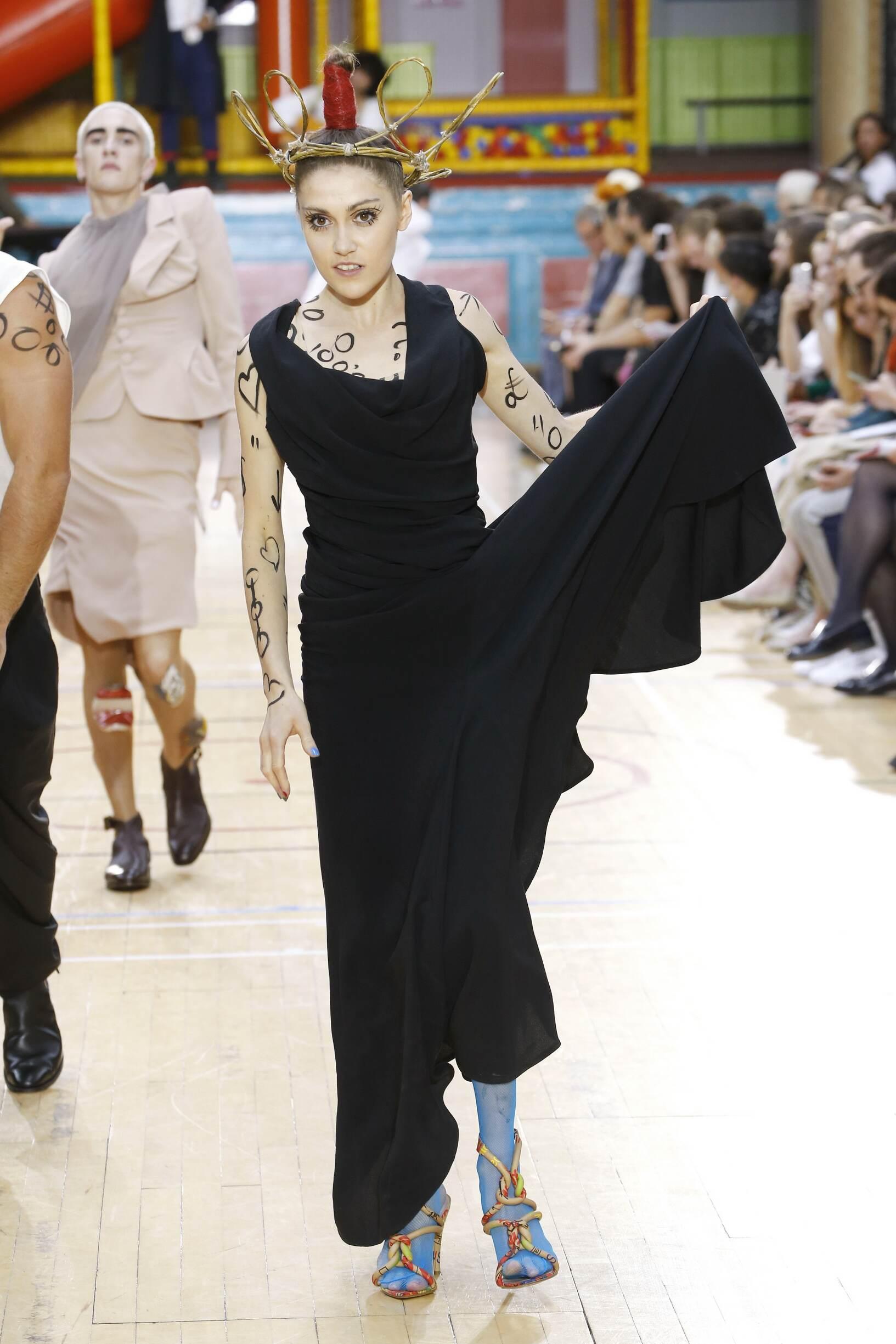 Fashion 2018 Women Style Vivienne Westwood