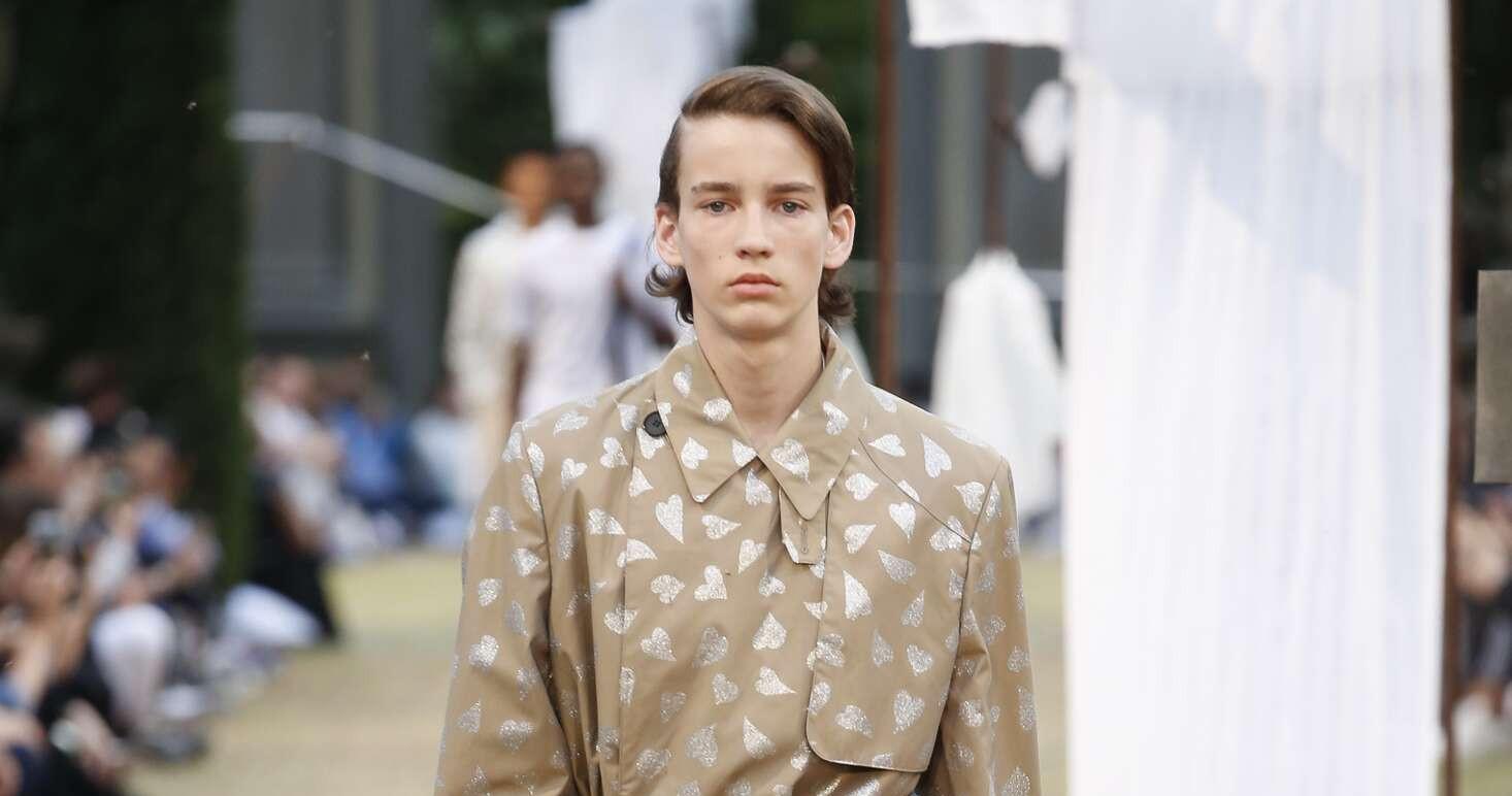 J.W. Anderson Fashion Show SS 2018 Pitti Immagine