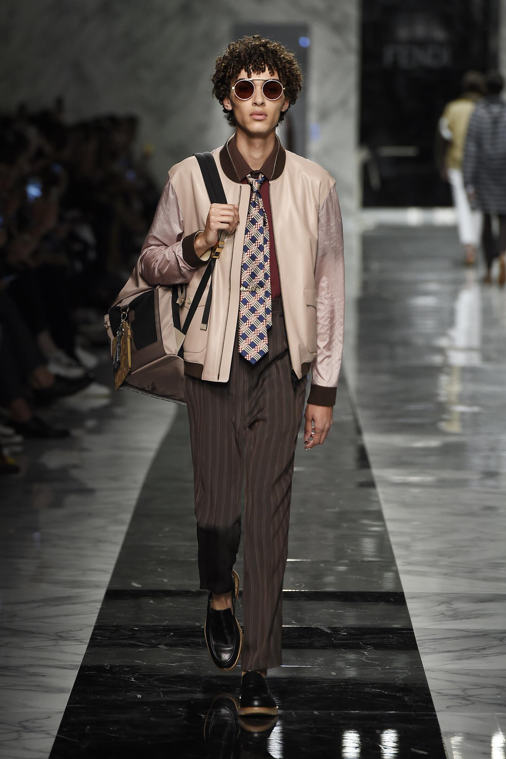 Runway Fendi Spring Summer 2018 Men's Collection Milan Fashion Week