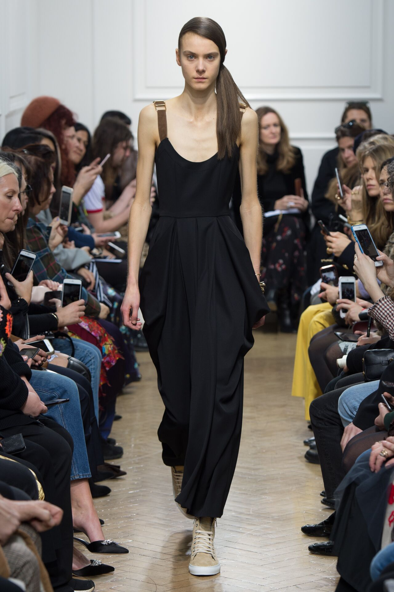 Runway J.W. Anderson Fall Winter 2017 Women's Collection London Fashion Week