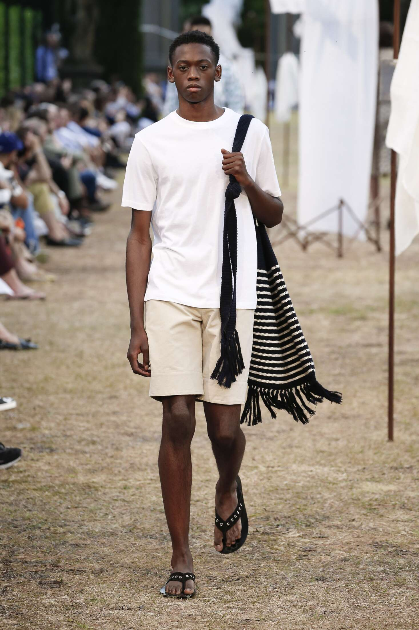 SS 2018 J.W. Anderson Fashion Show Man