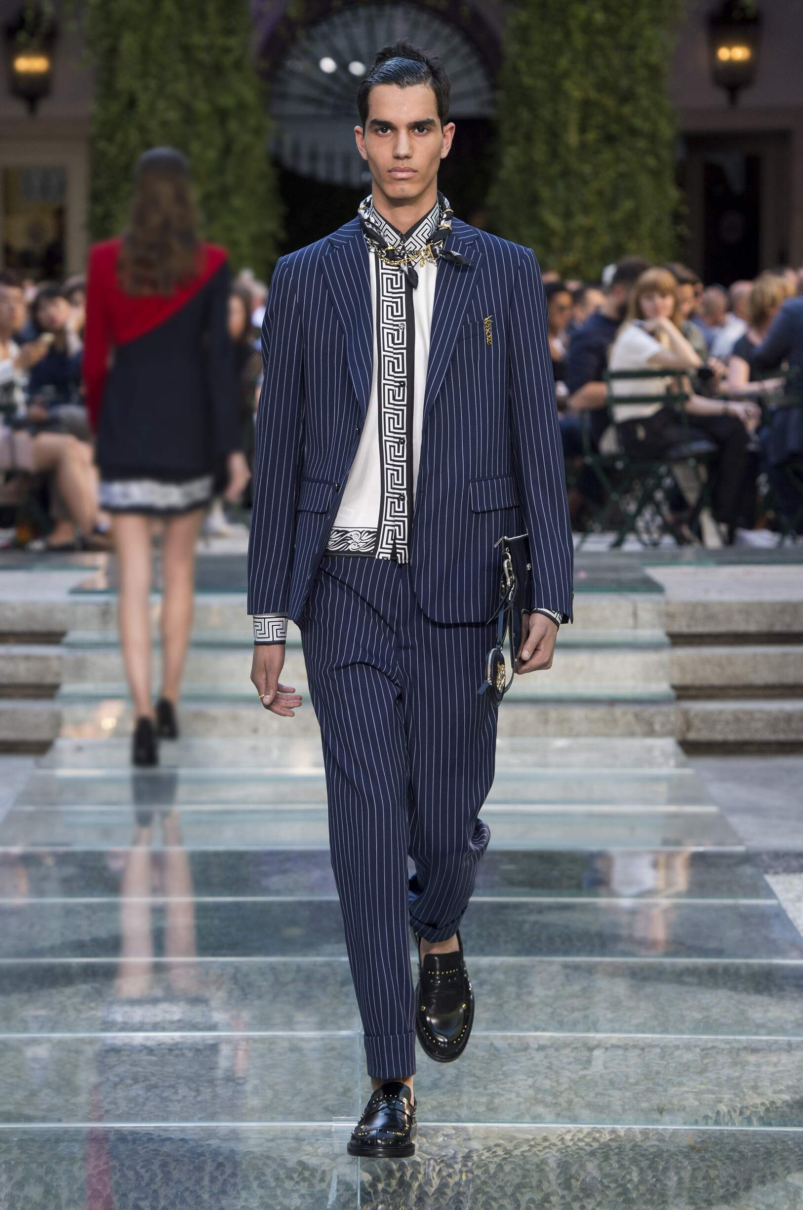 101e0127c6 Versace Spring Summer 2018 Mens Collection Milan Fashion Week