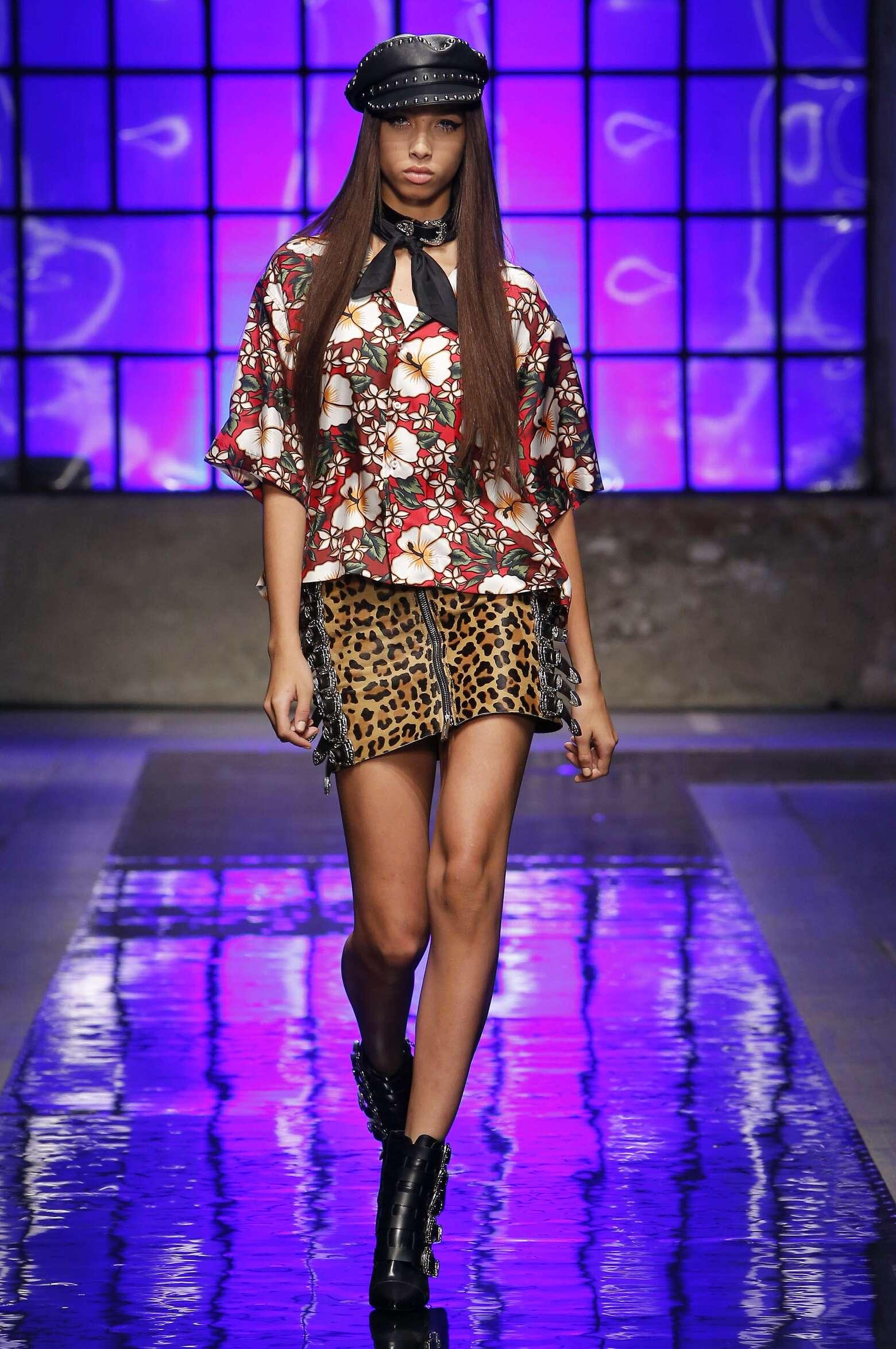 Woman Model Fashion Show Dsquared2