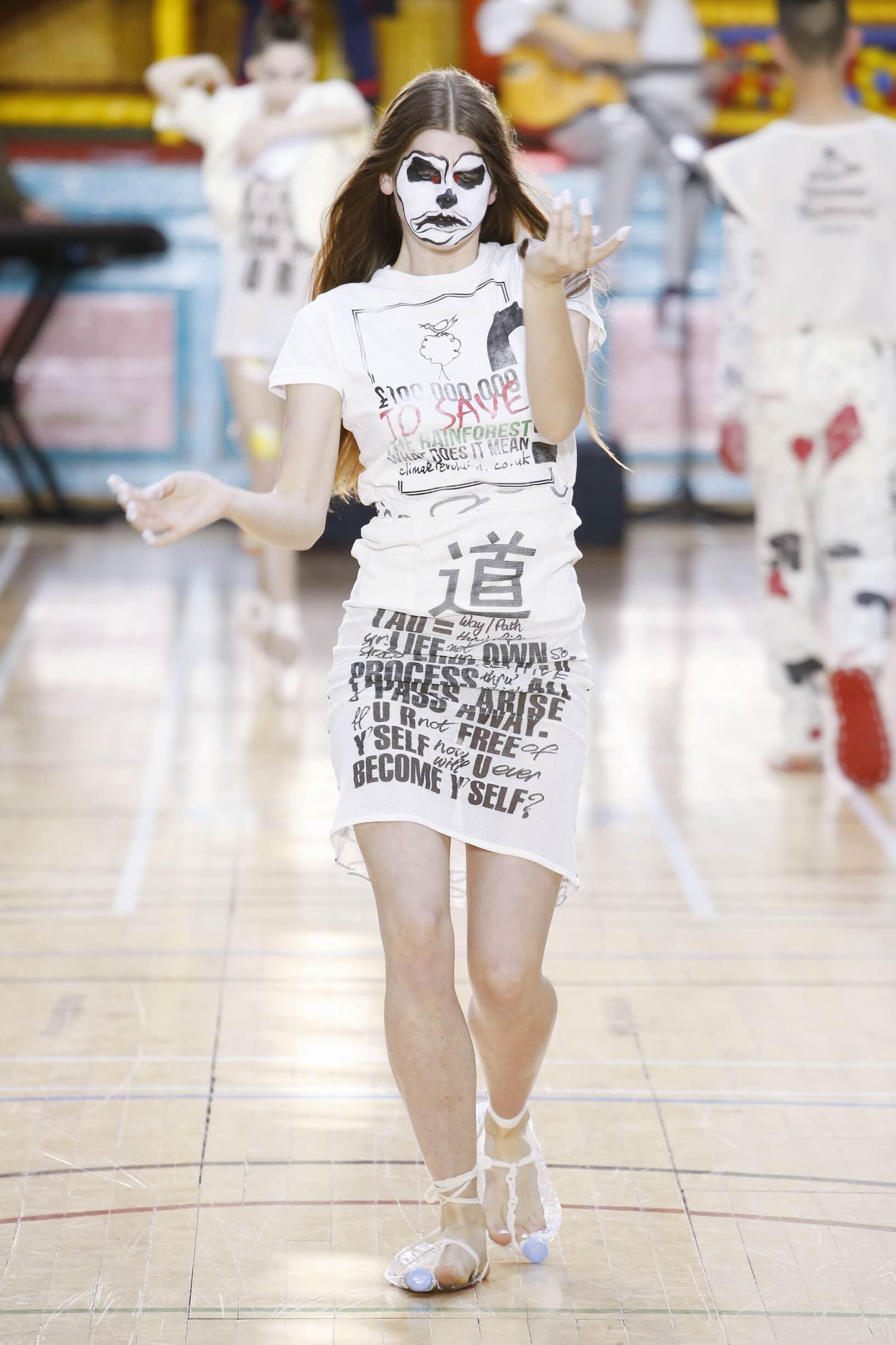 Woman SS 2018 Fashion Show Vivienne Westwood