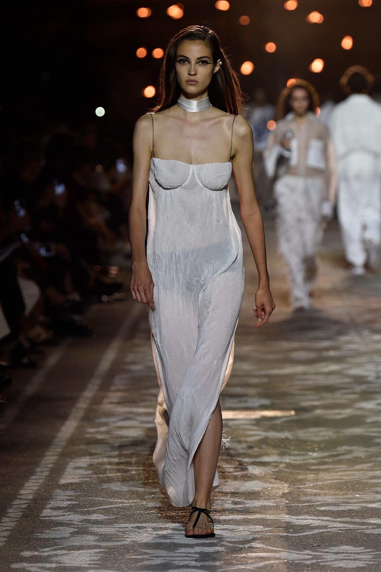 Woman Summer 2018 Fashion Trends Hugo