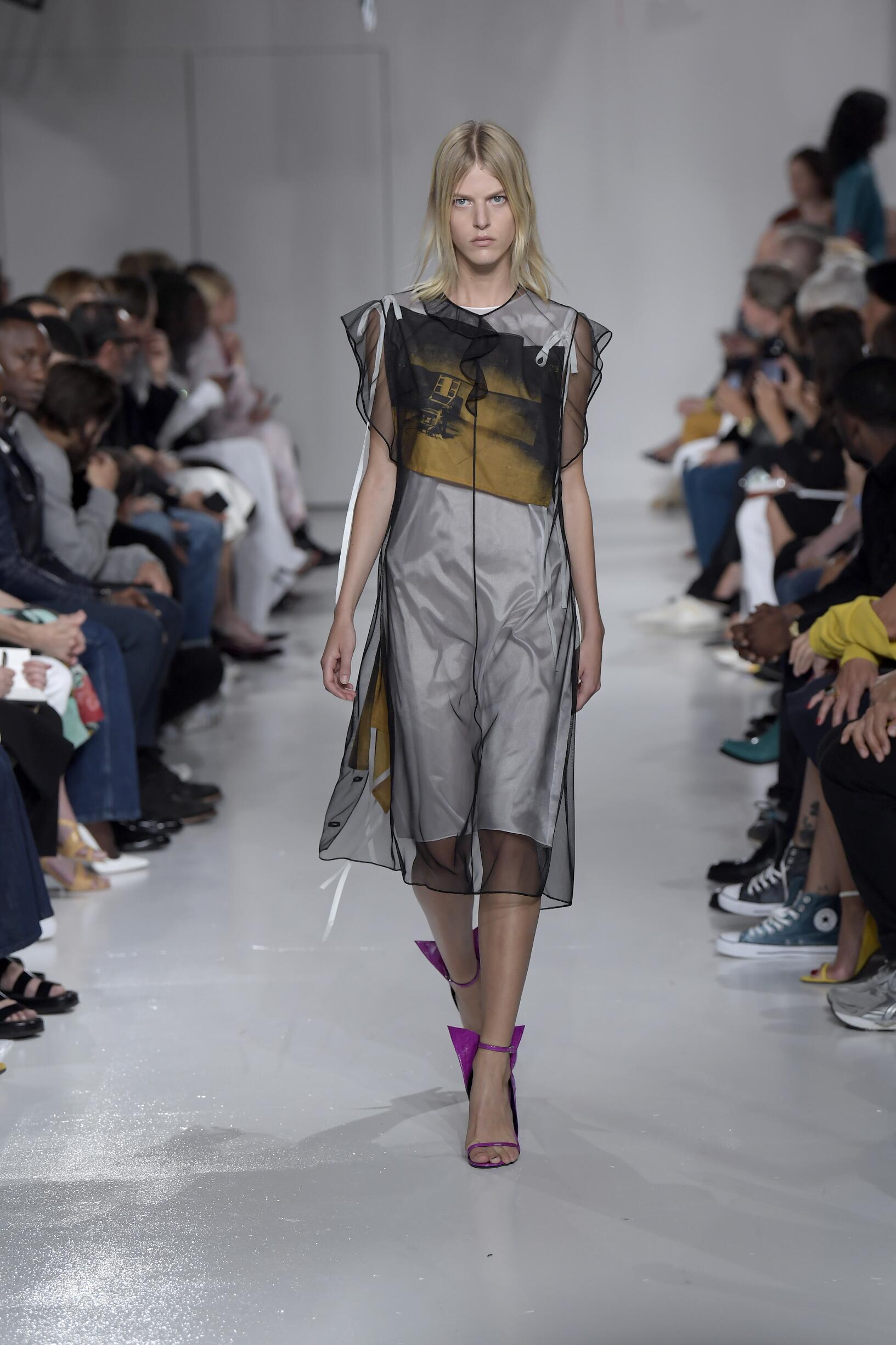 Fashion 2018 Catwalk Calvin Klein 205W39NYC Summer Womens Collection