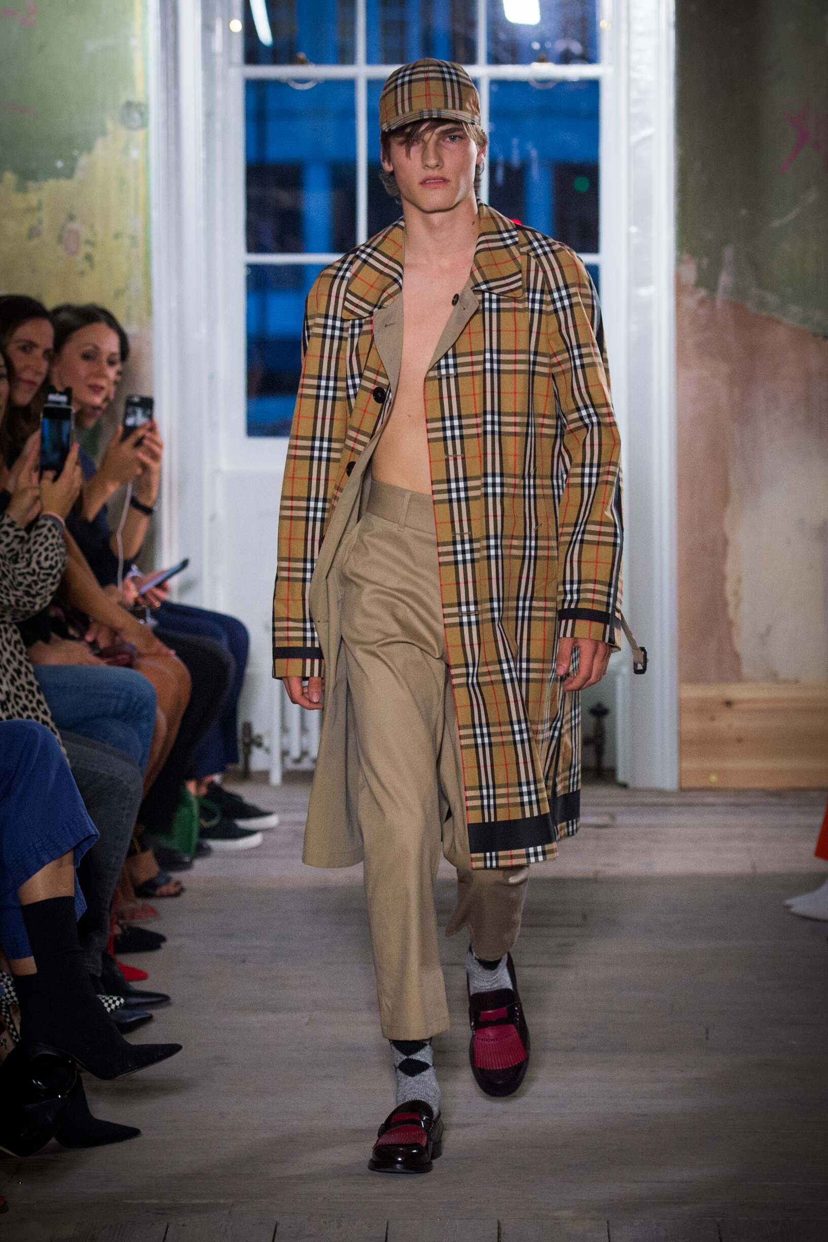 Burberry September 2017 Collection Look 13 London Fashion Week
