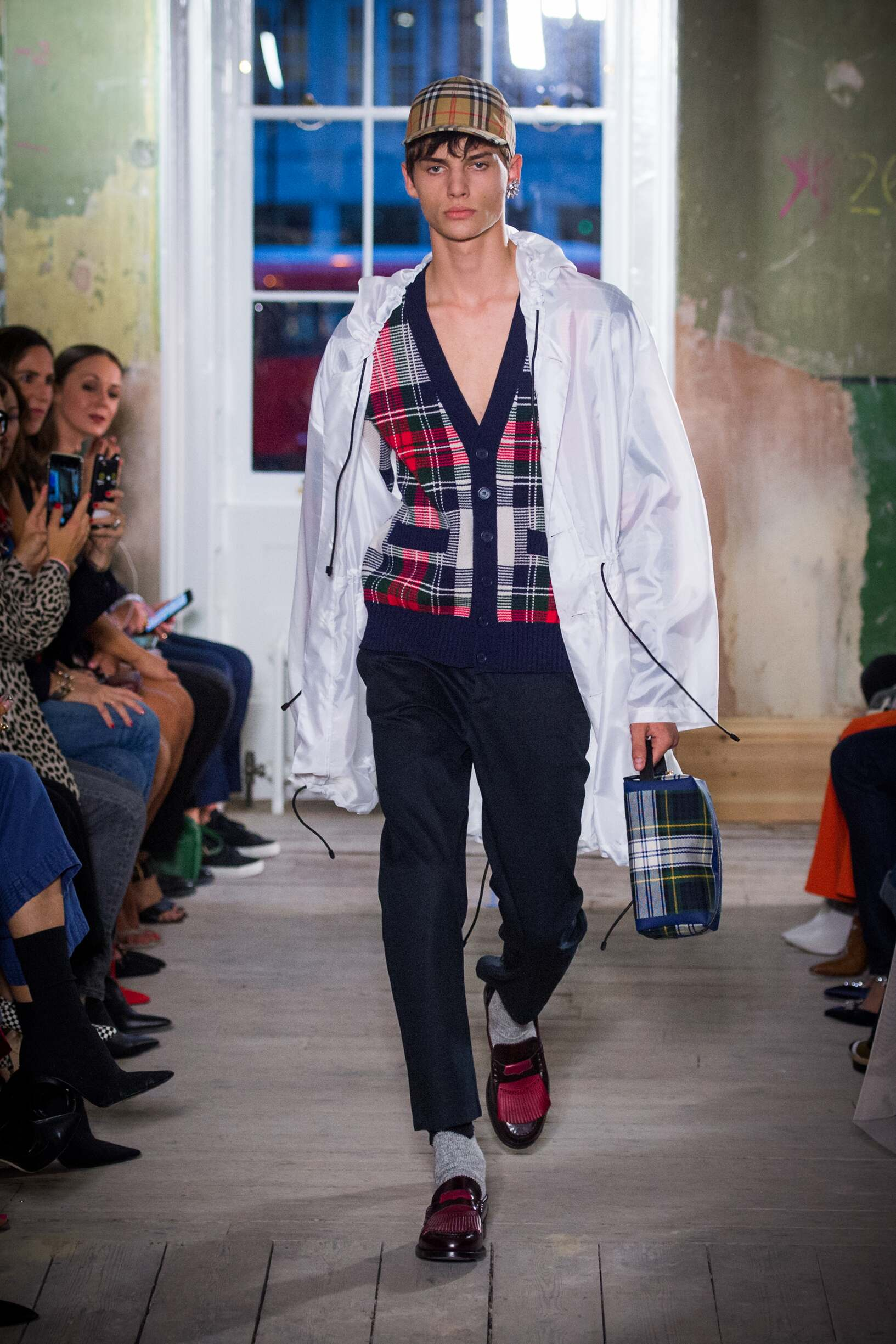 Burberry September 2017 Collection Look 17 London Fashion Week