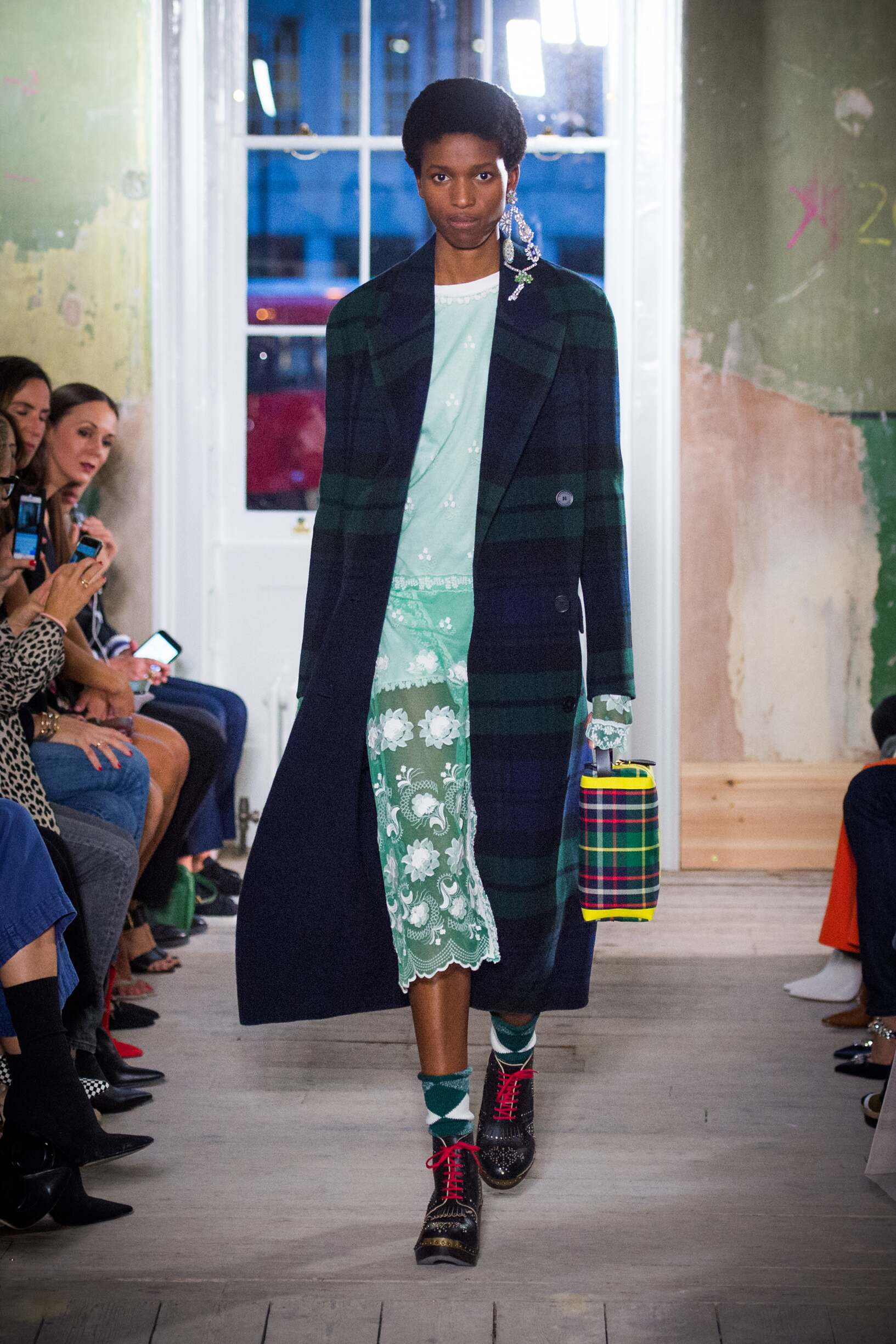 Burberry September 2017 Collection Look 19 London Fashion Week