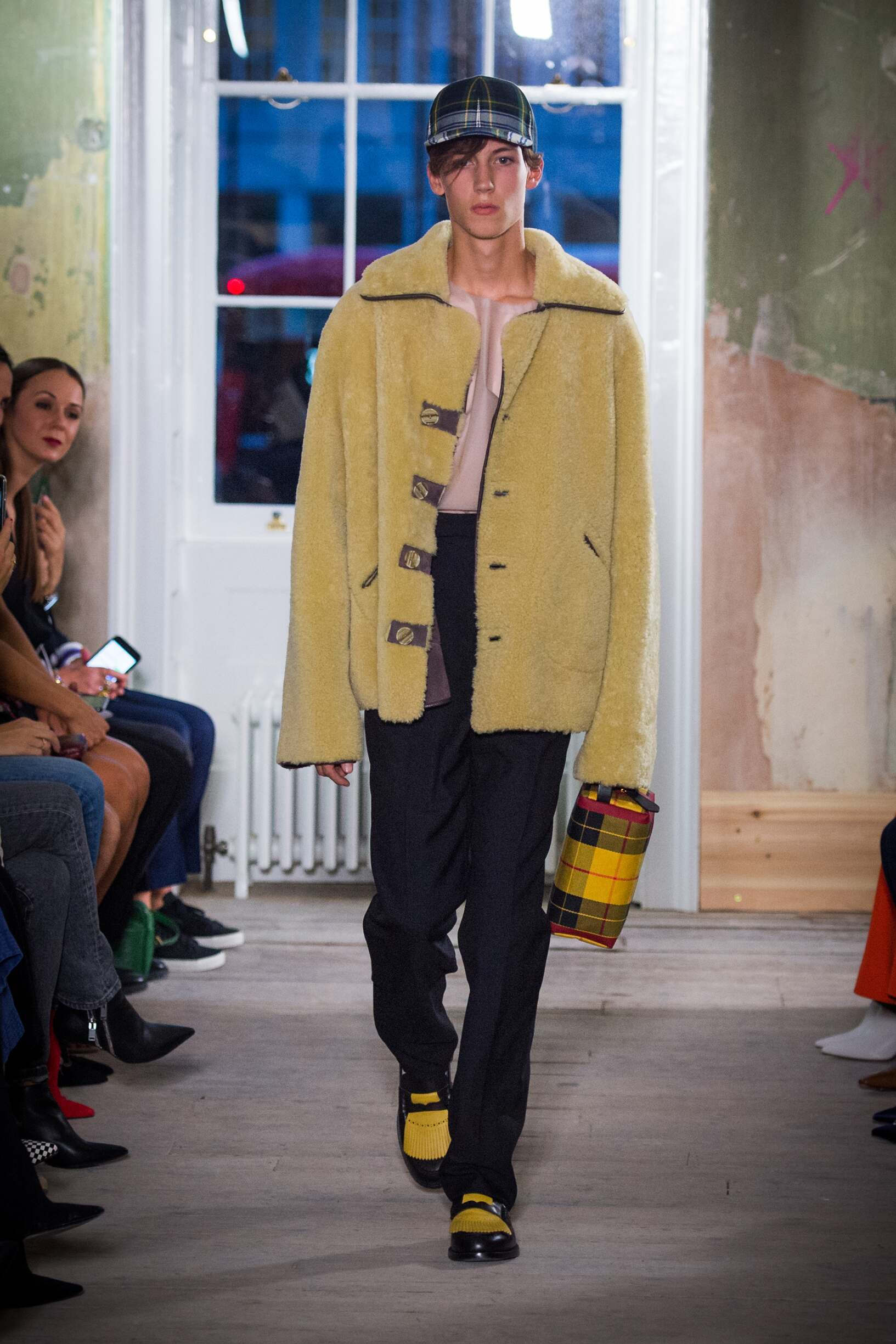 Burberry September 2017 Collection Look 21 London Fashion Week