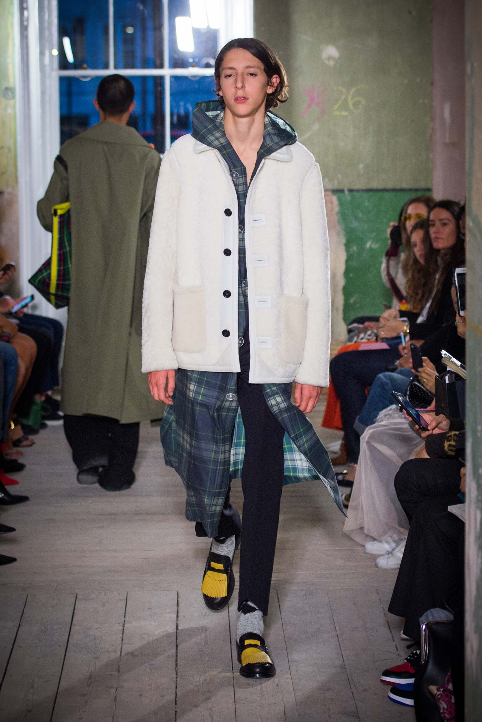 Burberry September 2017 Collection Look 26 London Fashion Week