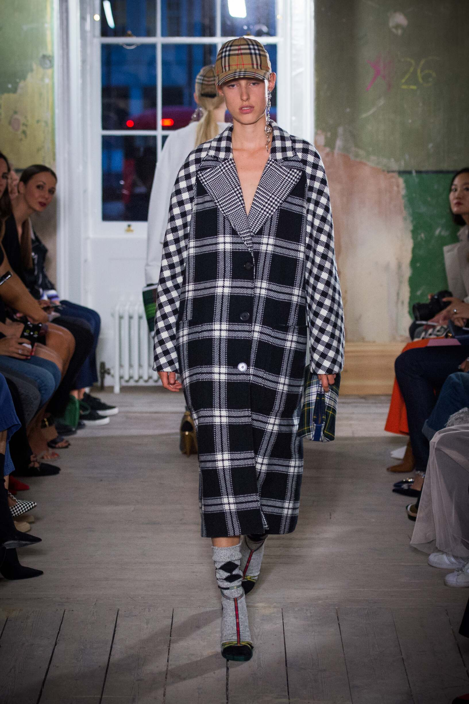 Burberry September 2017 Collection Look 39 London Fashion Week