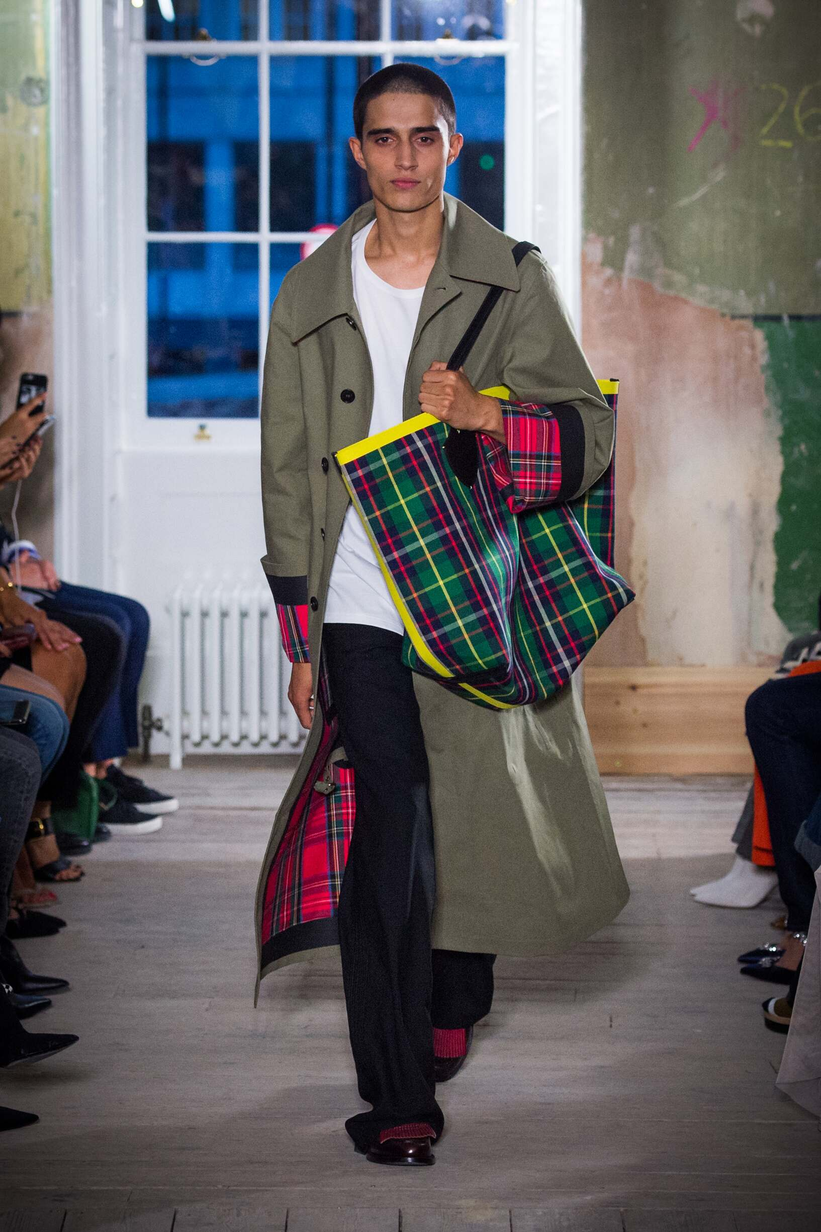Burberry September 2017 Collection Look 5 London Fashion Week